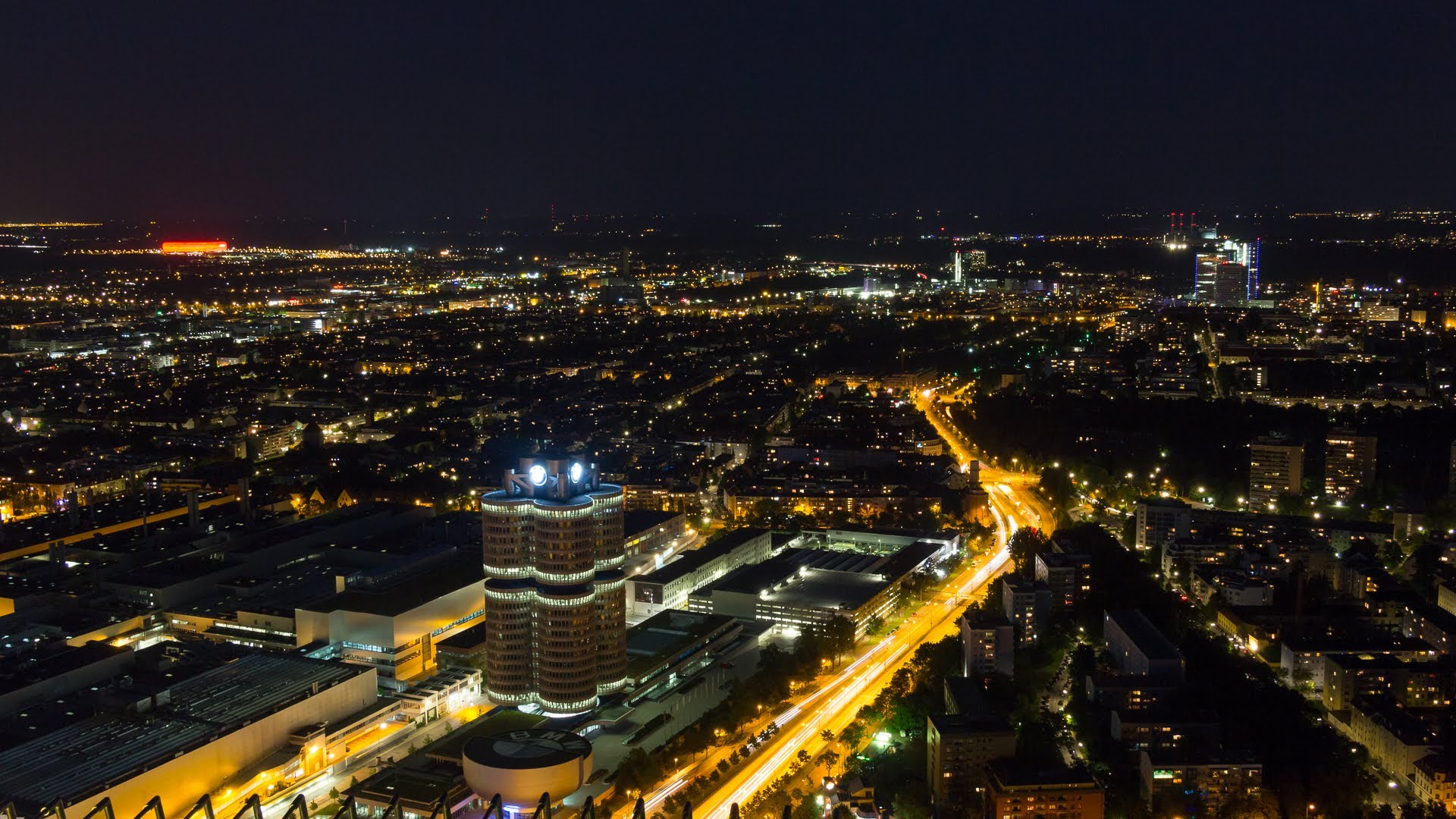 Munich 4K Timelapse - (Munich - City of Lights) - YouTube