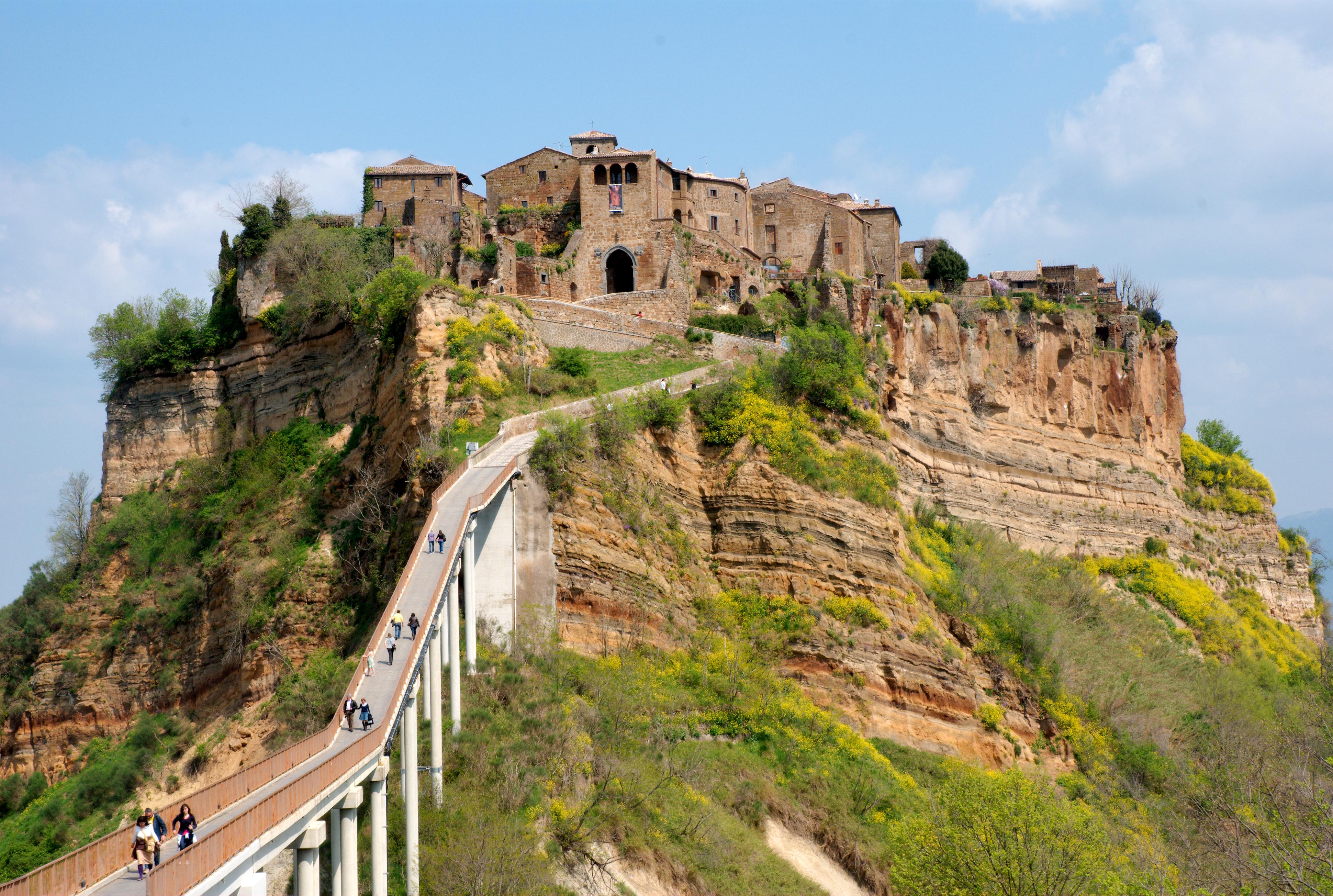 File:20090414-Cività-di-Bagnoregio.jpg - Wikimedia Commons