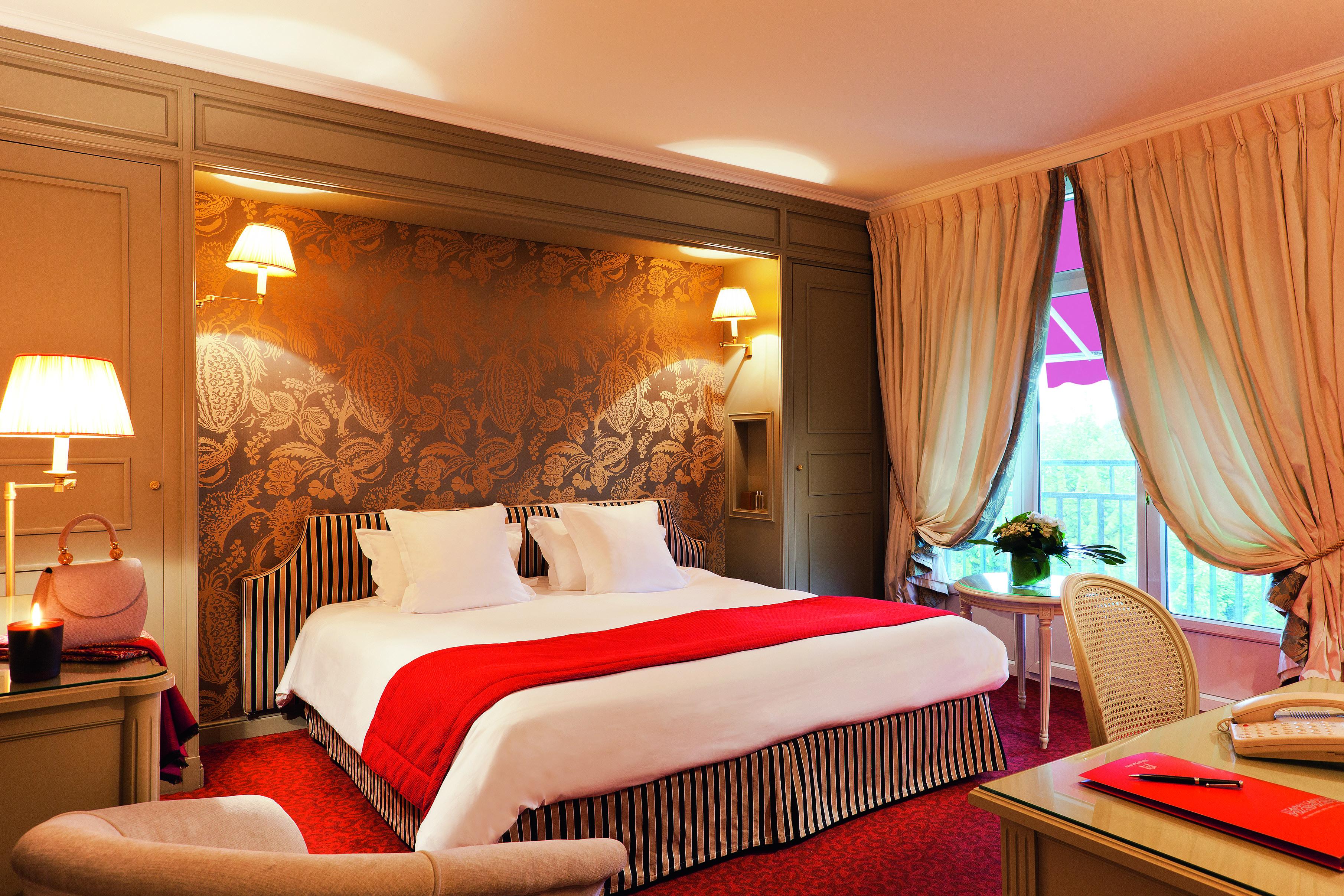 Classic hotel room photo