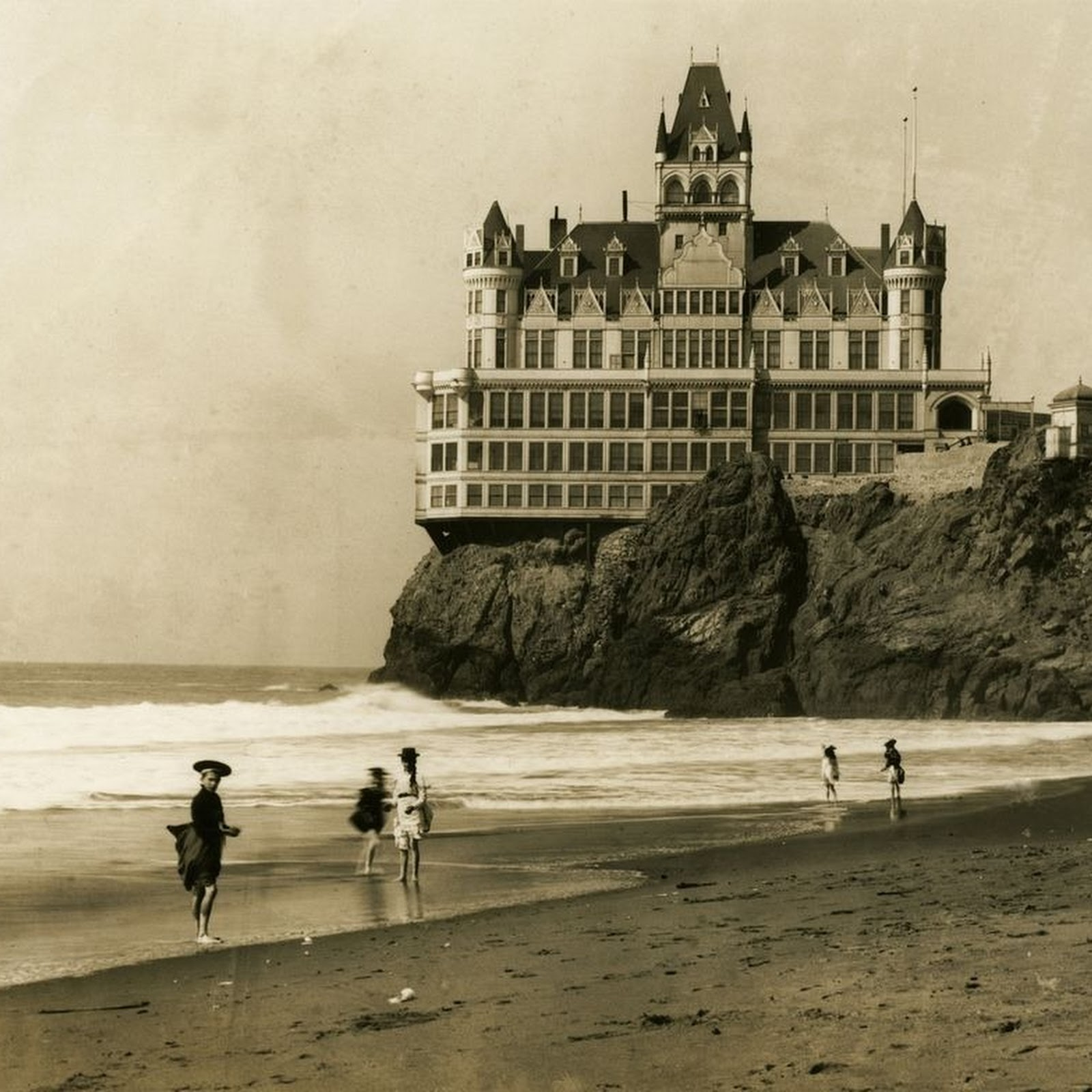 The Cliff House of San Francisco | Amusing Planet