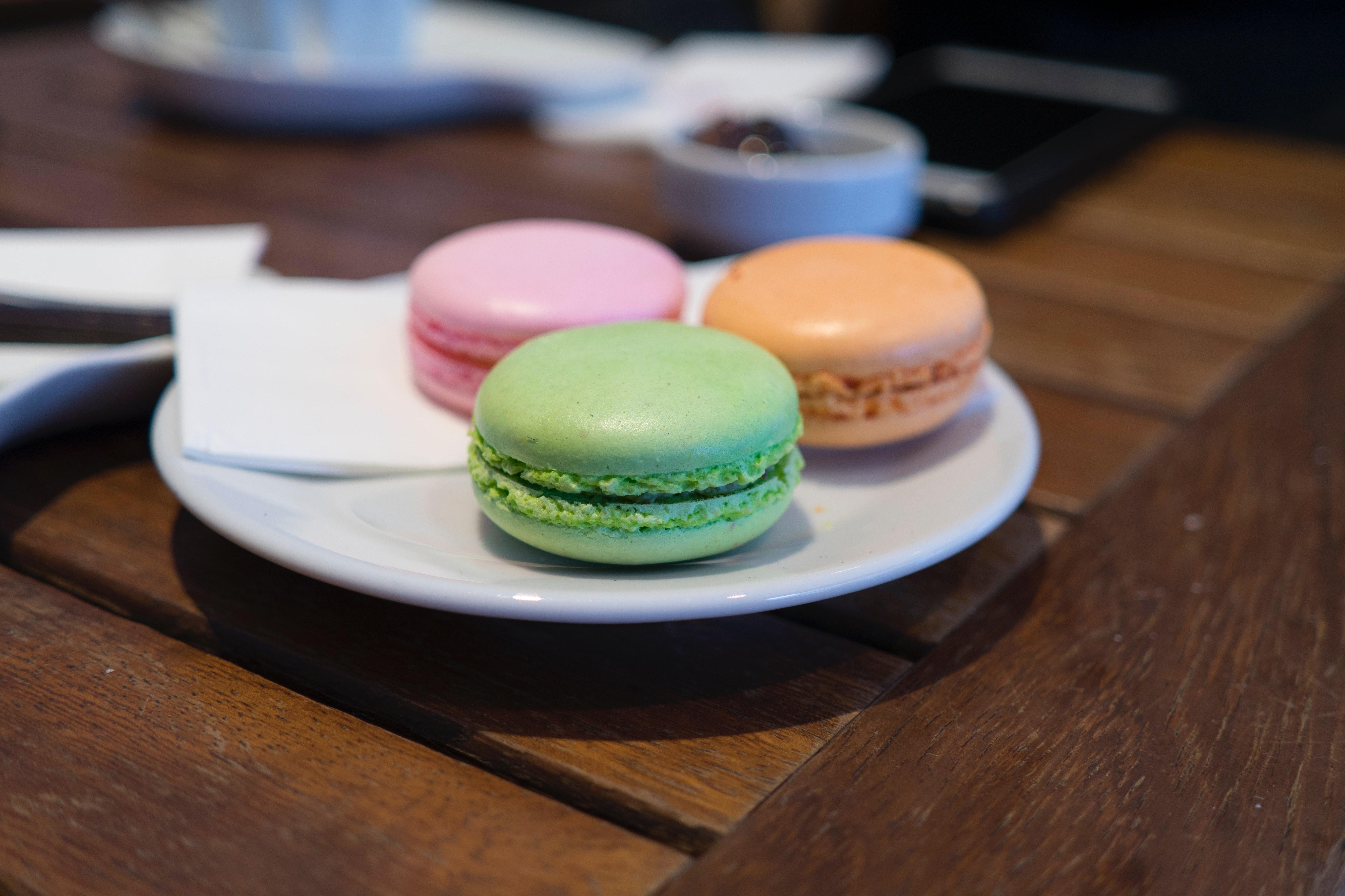 Close-up of Macaroons, Bake, Indoors, Wood, Tableware, HQ Photo