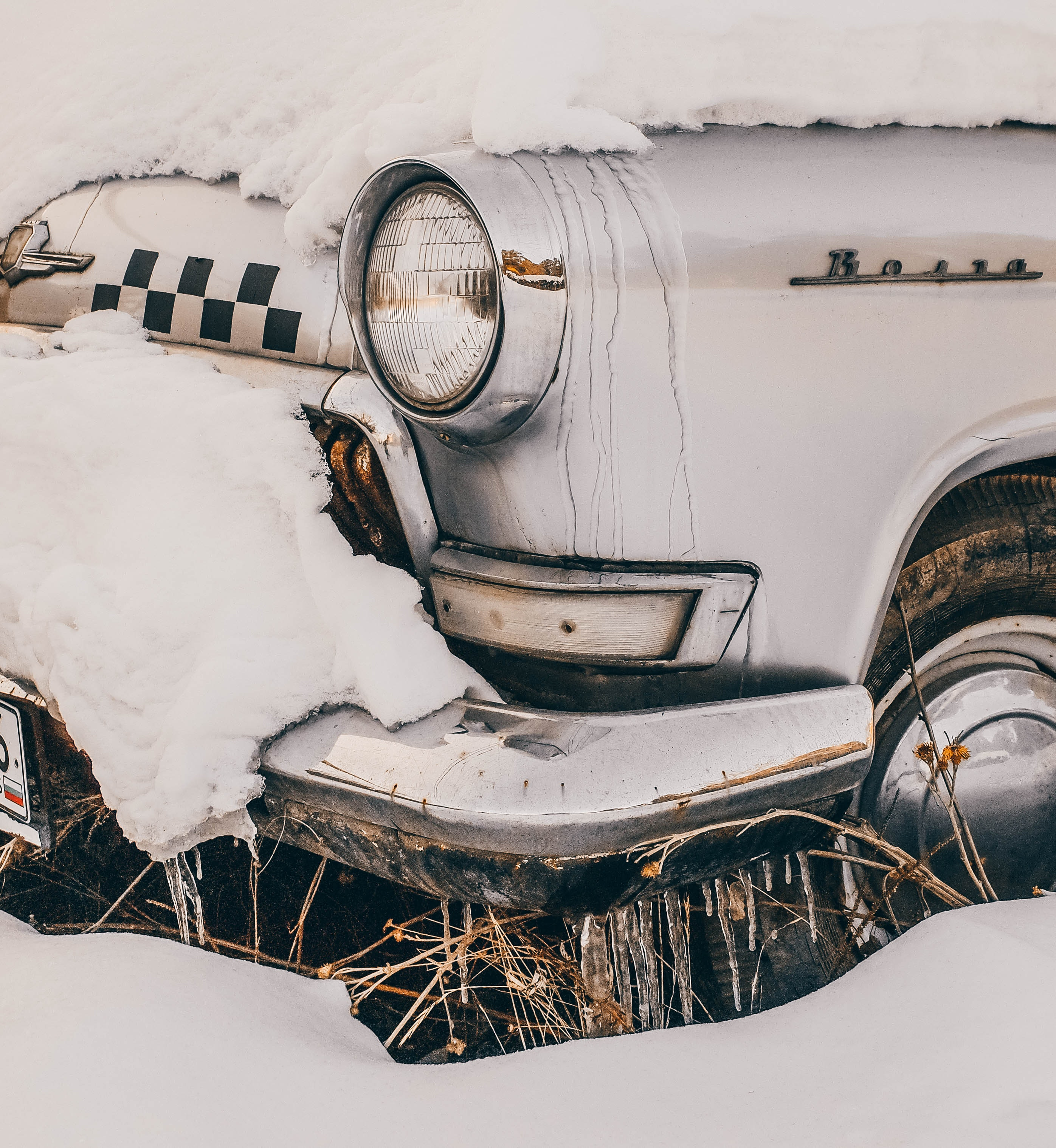 Close-Up Photography of Vintage Car Covered With Snow, Antique, Season, Wheel, Vintage car, HQ Photo