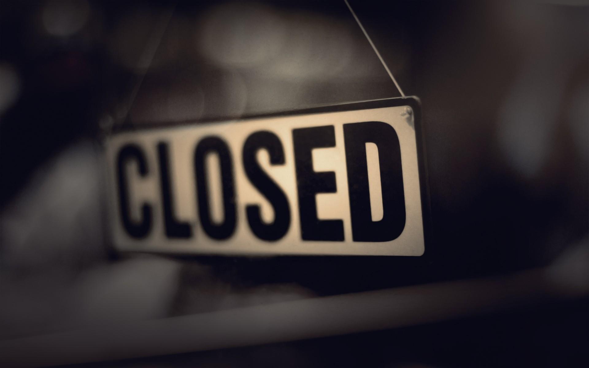 Closed photo