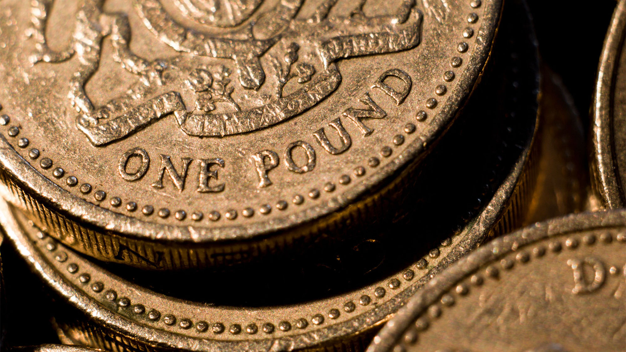 This Is How To Spot How Much Your £1 Coin Is Really Worth