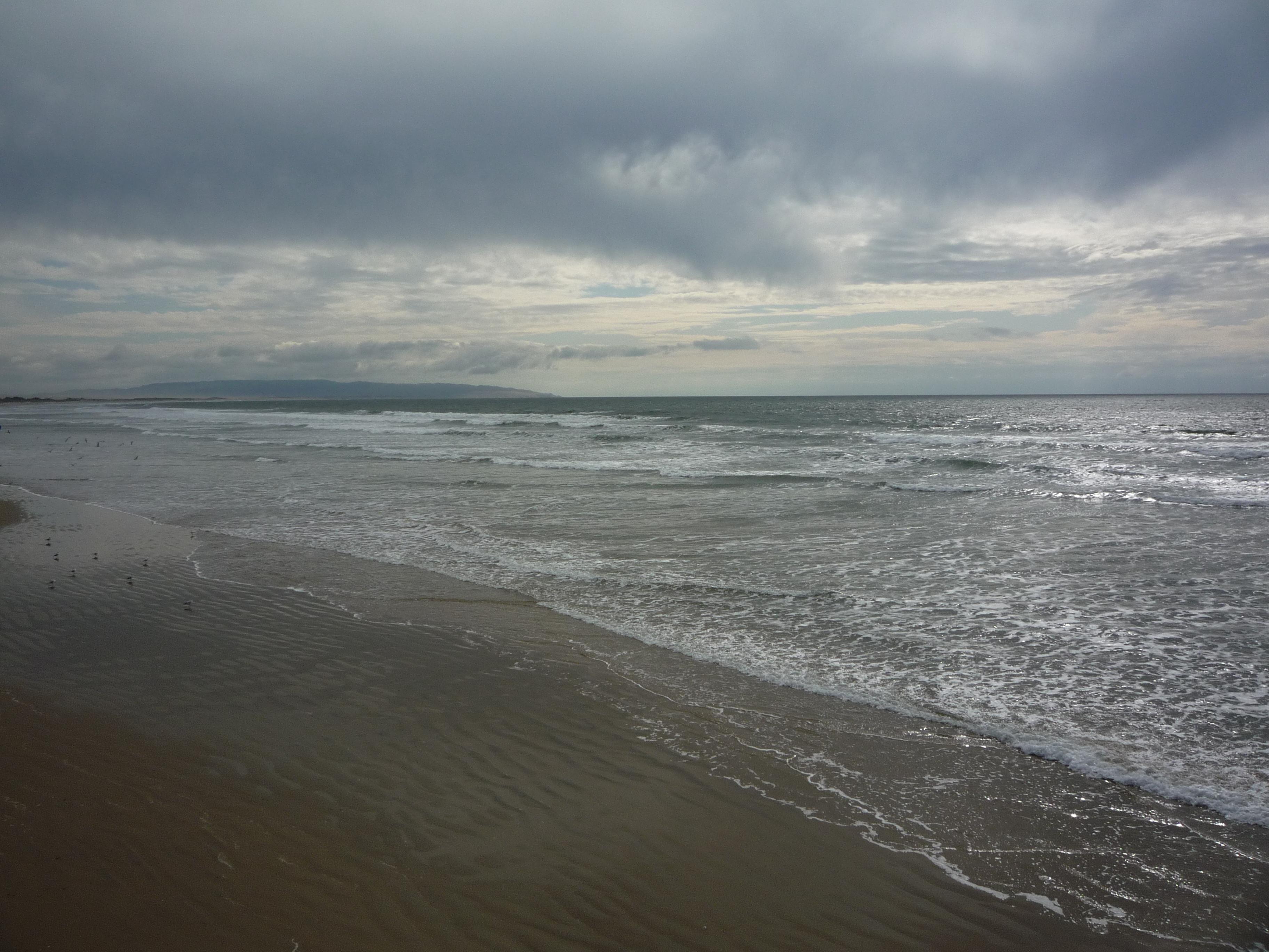 cloudy beach by ljljljs on DeviantArt