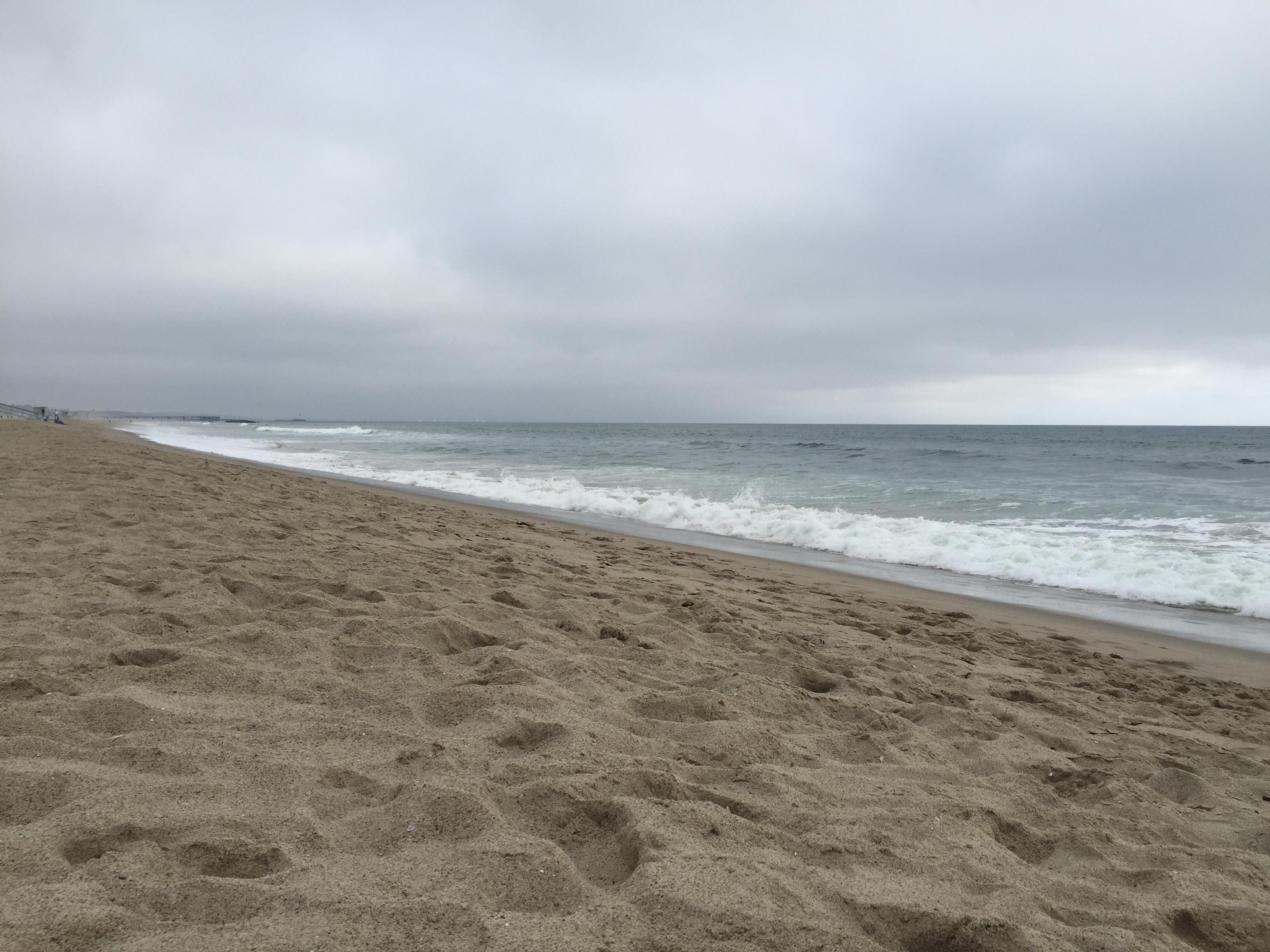 cloudy beach | grace hj jung