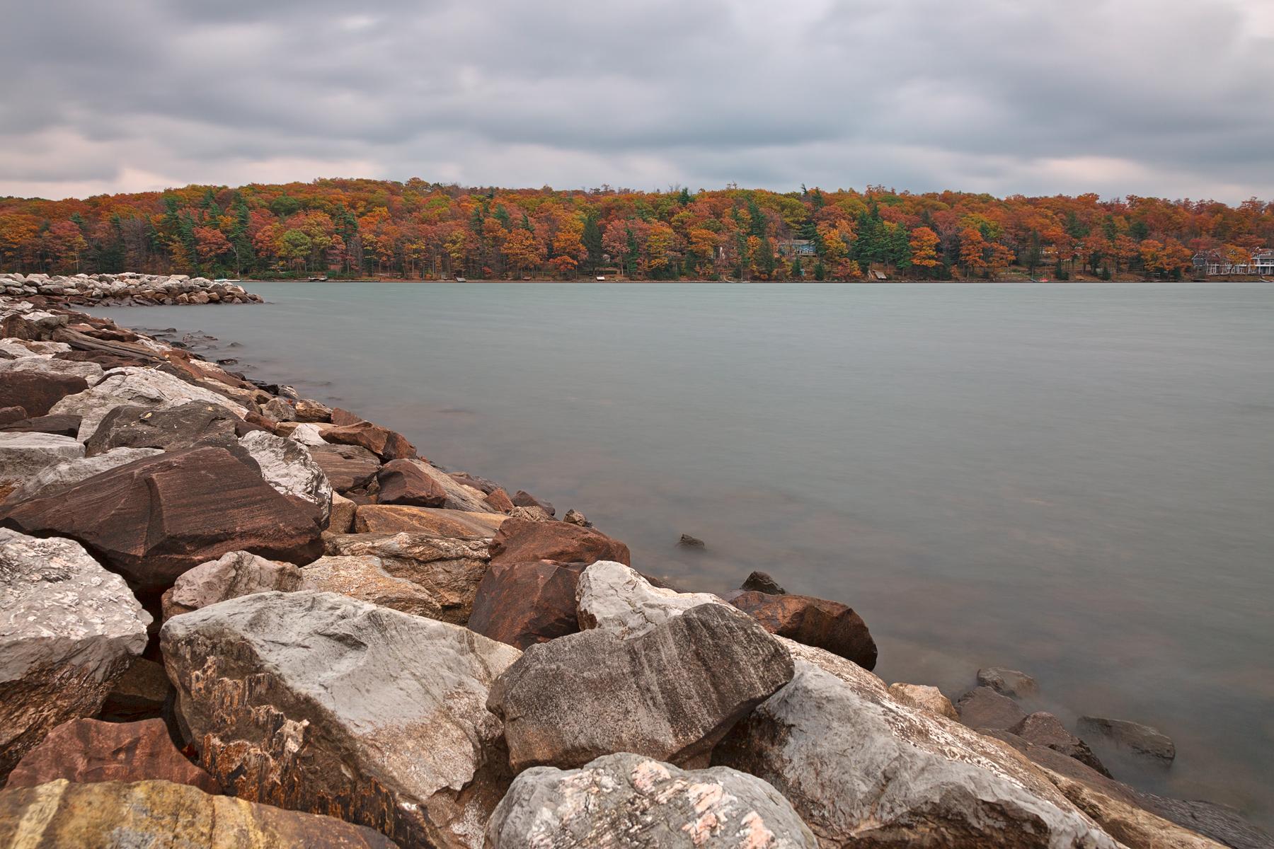 Cloudy deep creek autumn - hdr photo