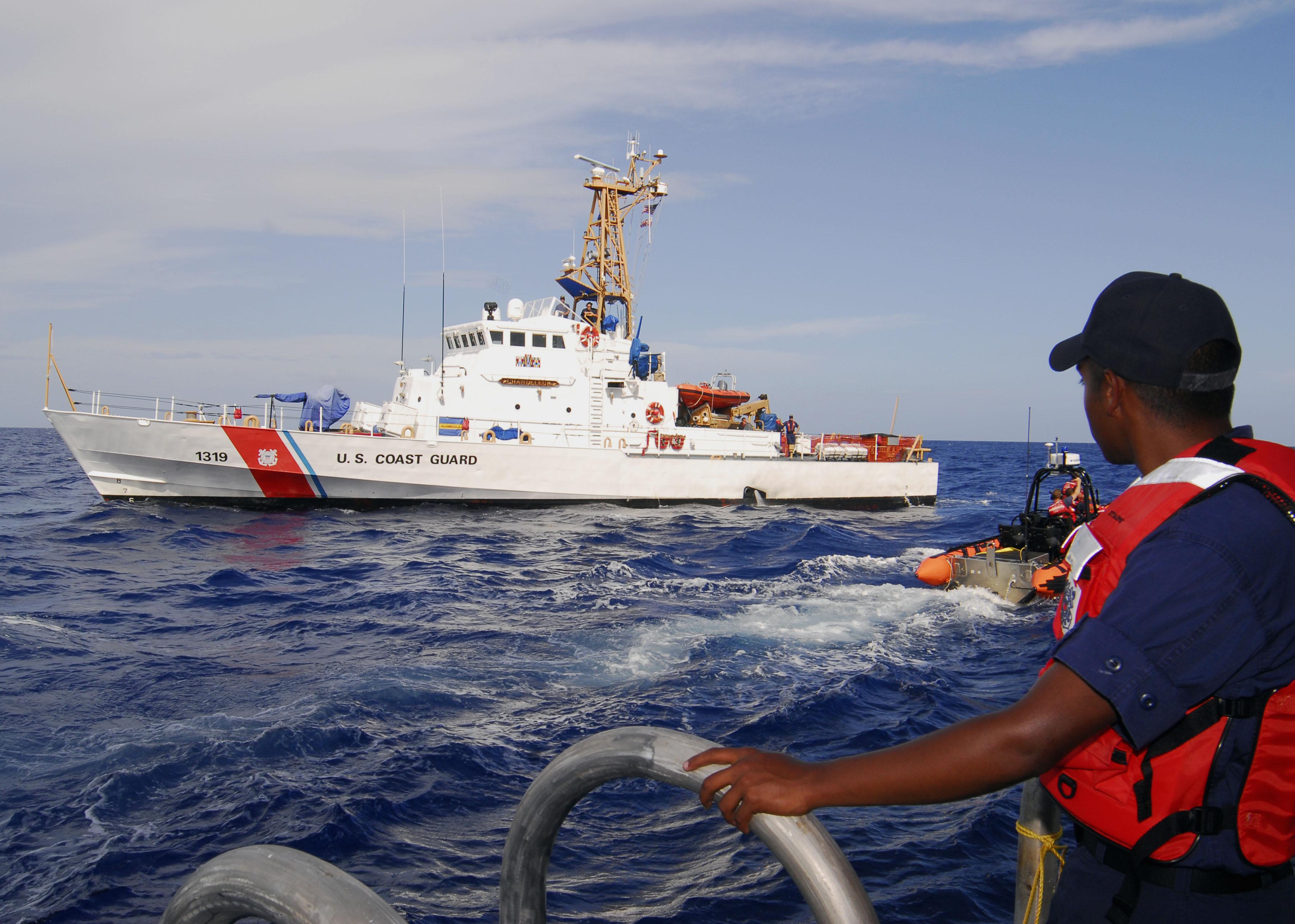 File:United States Coast Guard Cutter Chandeleur.jpg - Wikimedia Commons