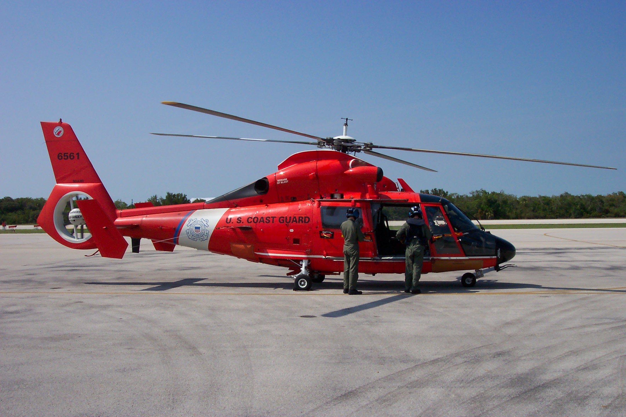 File:US Coast Guard HH-65 Dolphin Helicopter.JPG - Wikipedia