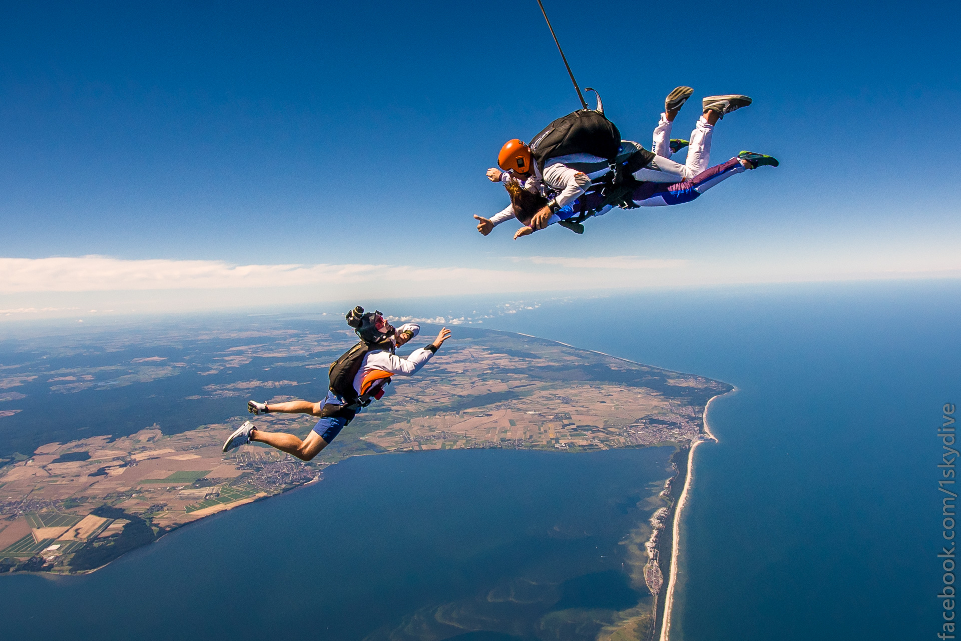 Tandem Skydiving in Jastarnia POLAND | Flying Mammut