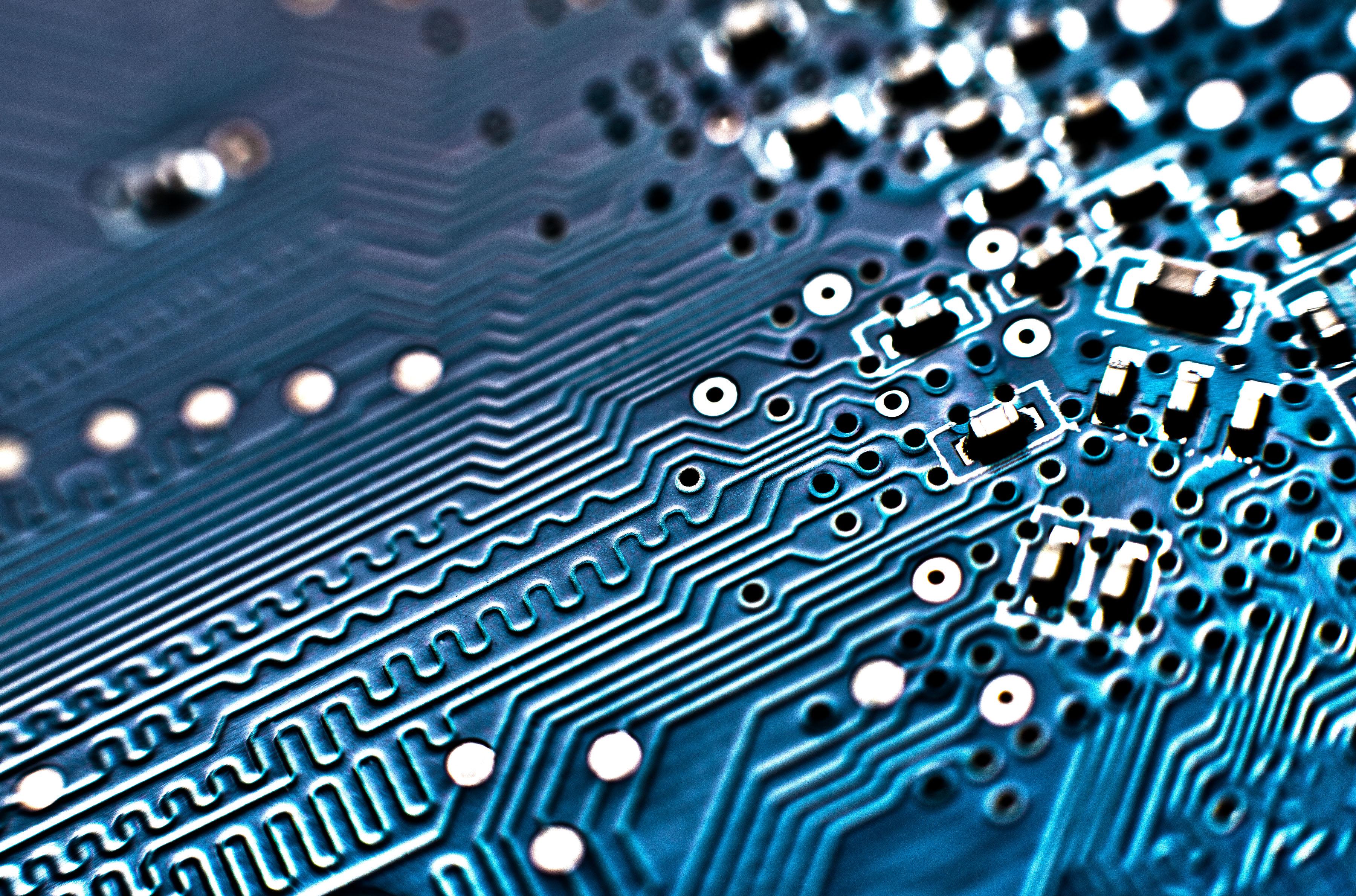 File:Computer Circuit Board MOD 45153623.jpg - Wikimedia Commons