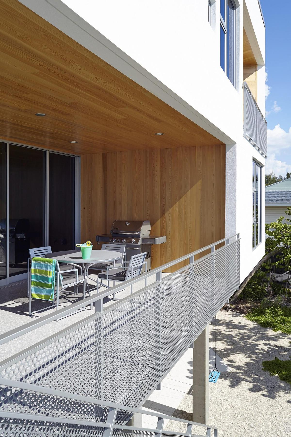 Beachfront House Built with Poured Concrete to Withstand Hurricanes
