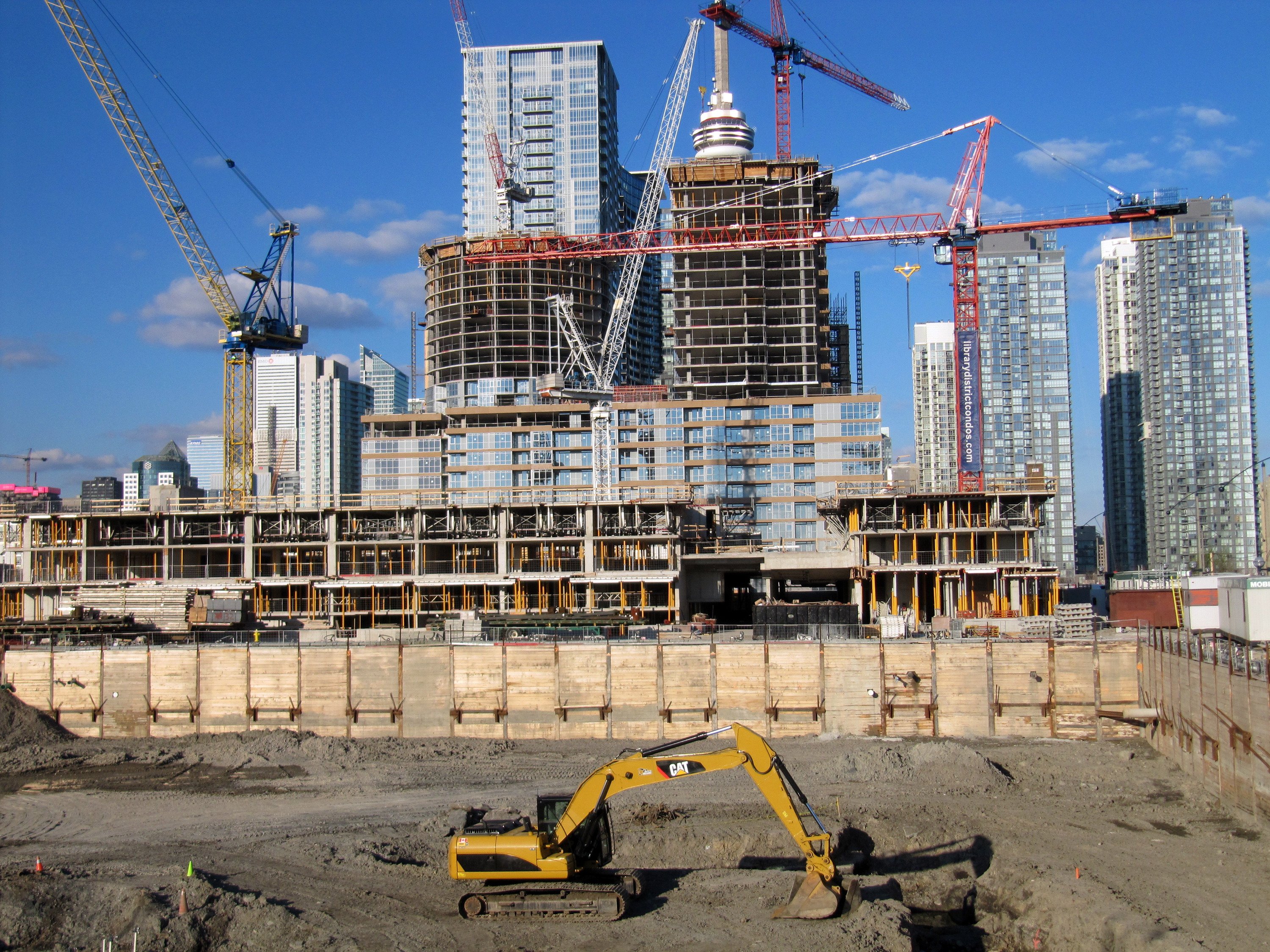 File:Construction in Toronto May 2012.jpg - Wikimedia Commons