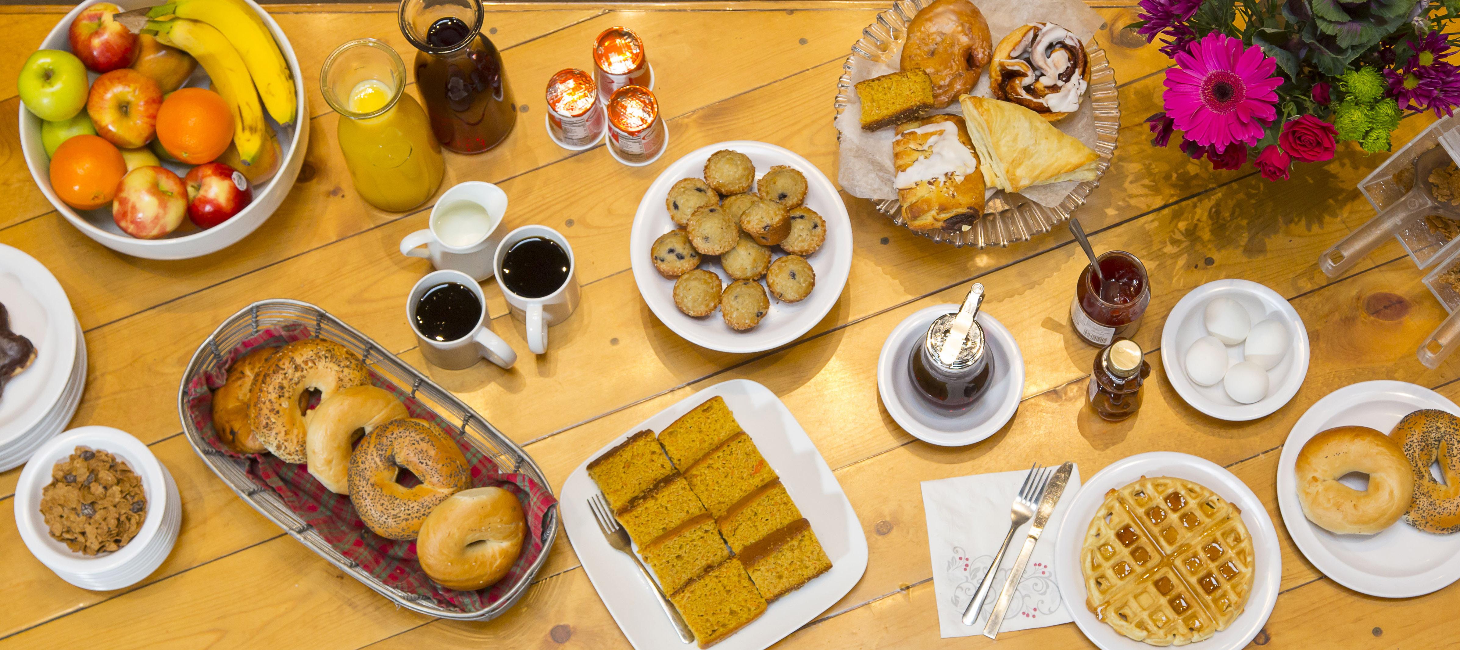Continental Breakfast Buffet - Aspen Mountain Lodge