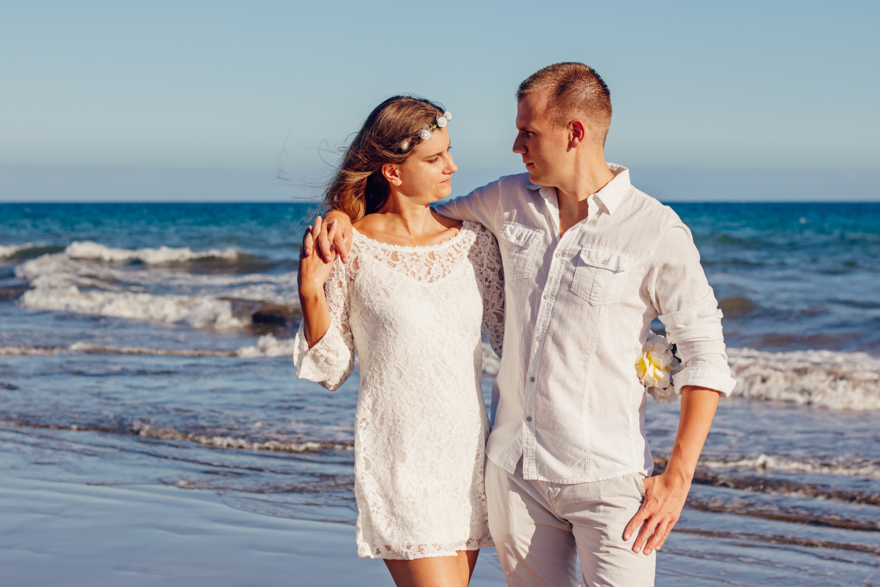Couple Looking at Each Other Beside Beach, Beach, Sea, Woman, White, HQ Photo