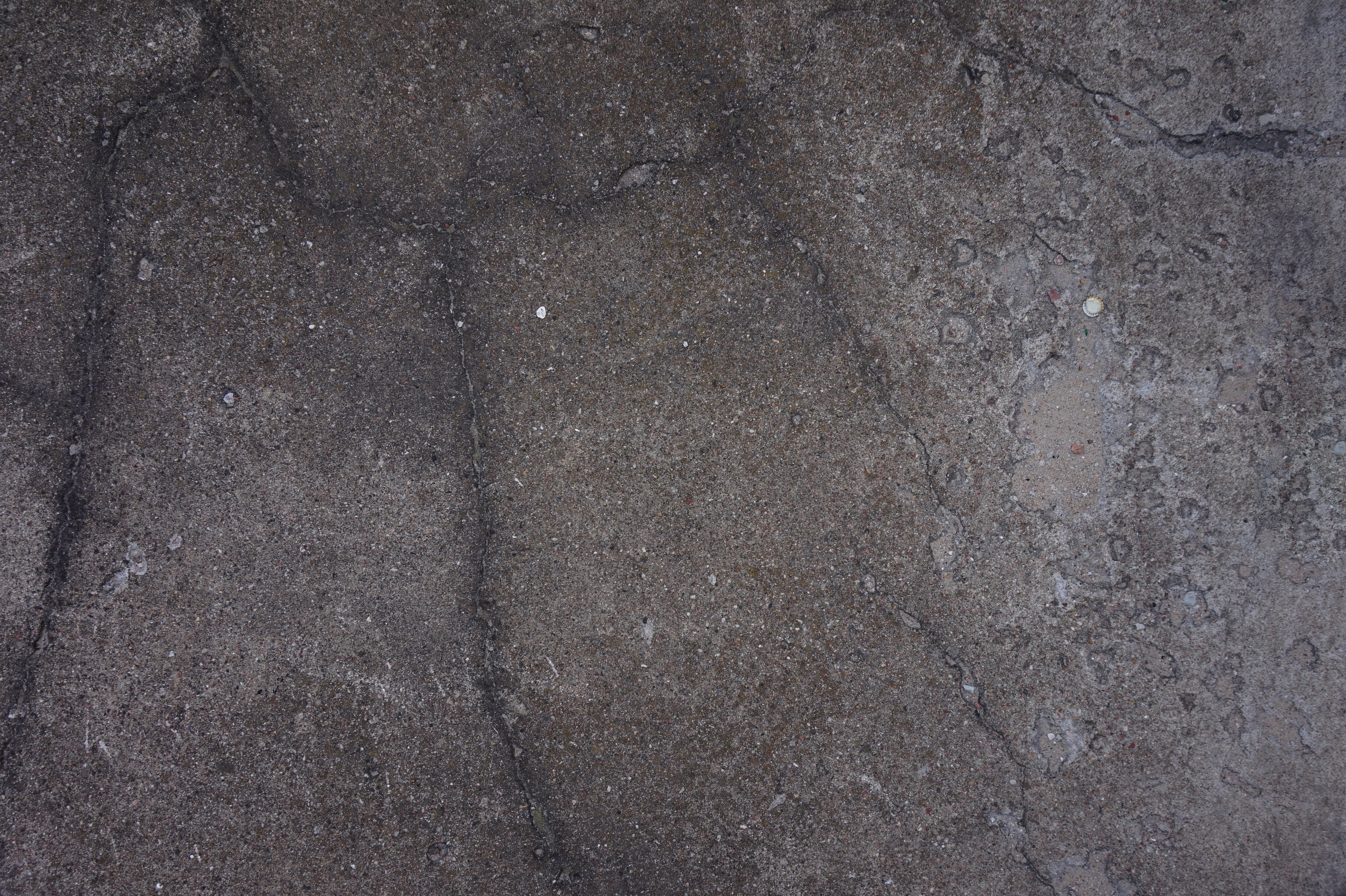 Old dirty cracked concrete wall - Concrete - Texturify - Free textures