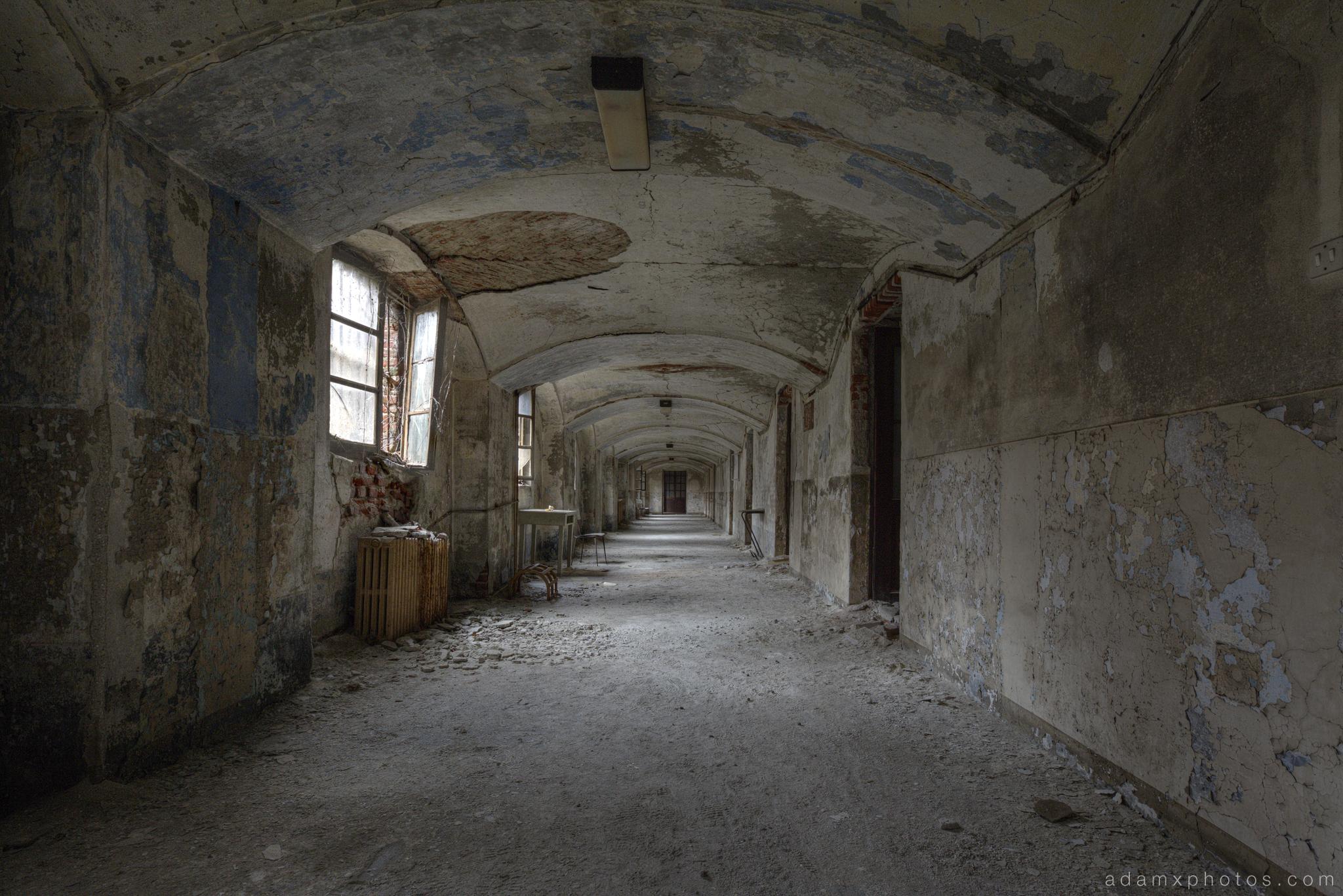 Cracked urbex corridor photo
