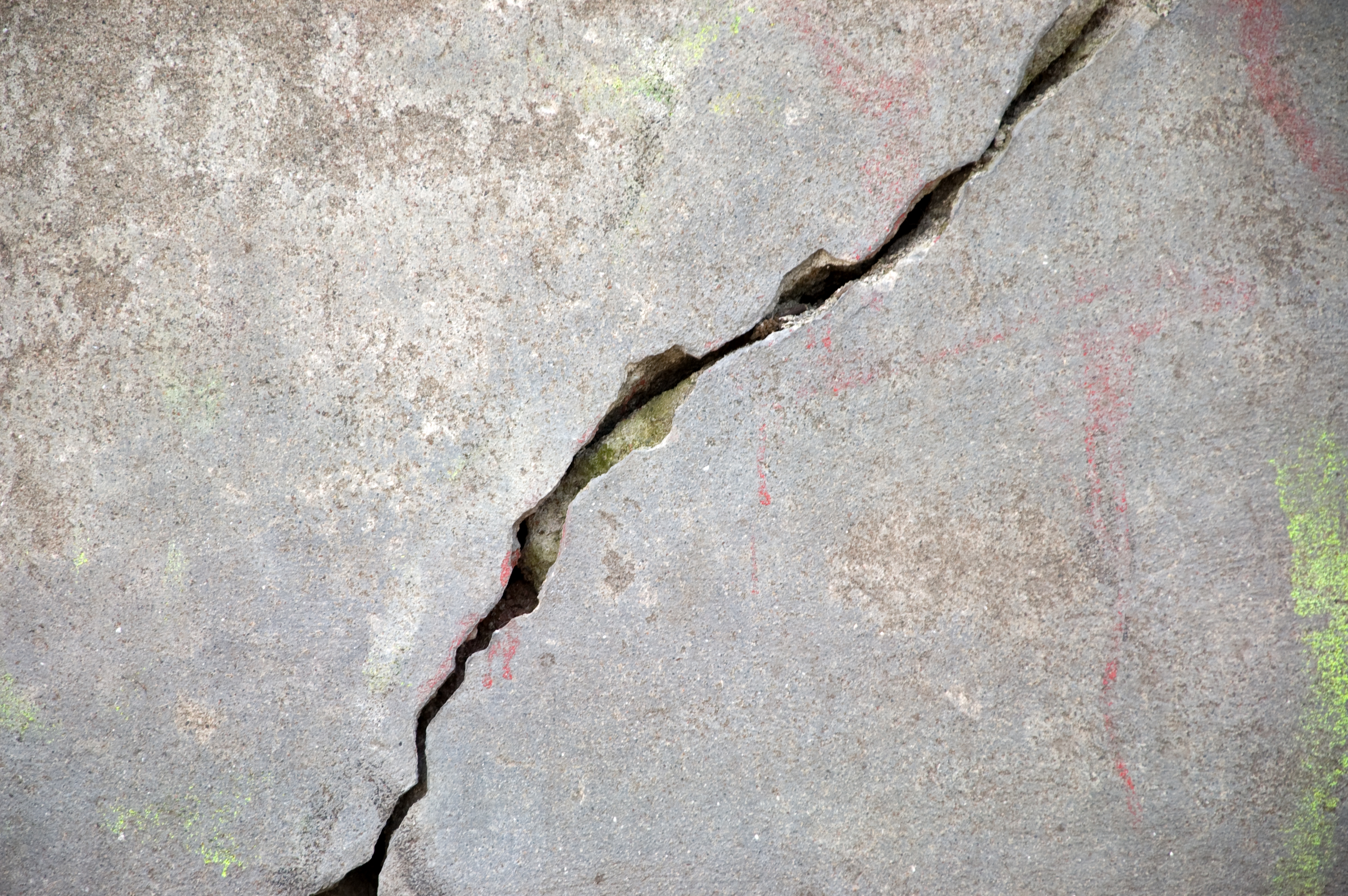 Causes of Concrete Foundation Cracks | Basement Waterproofing