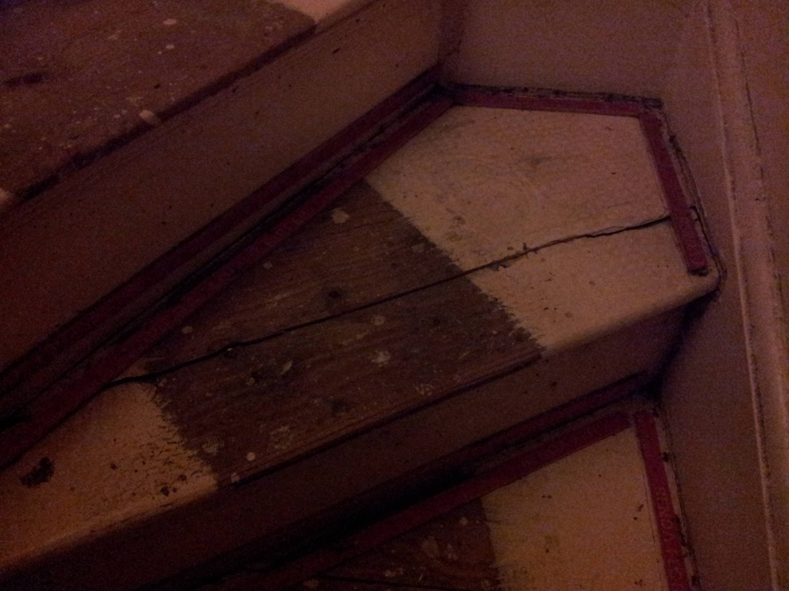 flooring - Replacing a split tread on an old staircase - Home ...