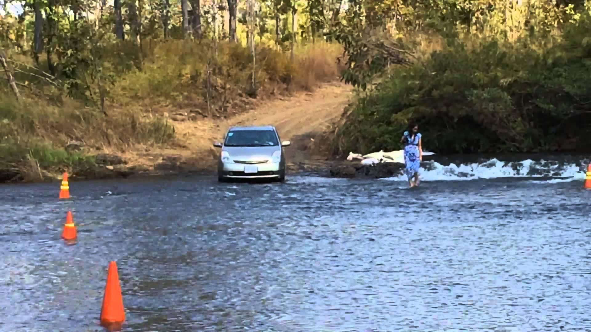 Toyota Prius cross the river - YouTube