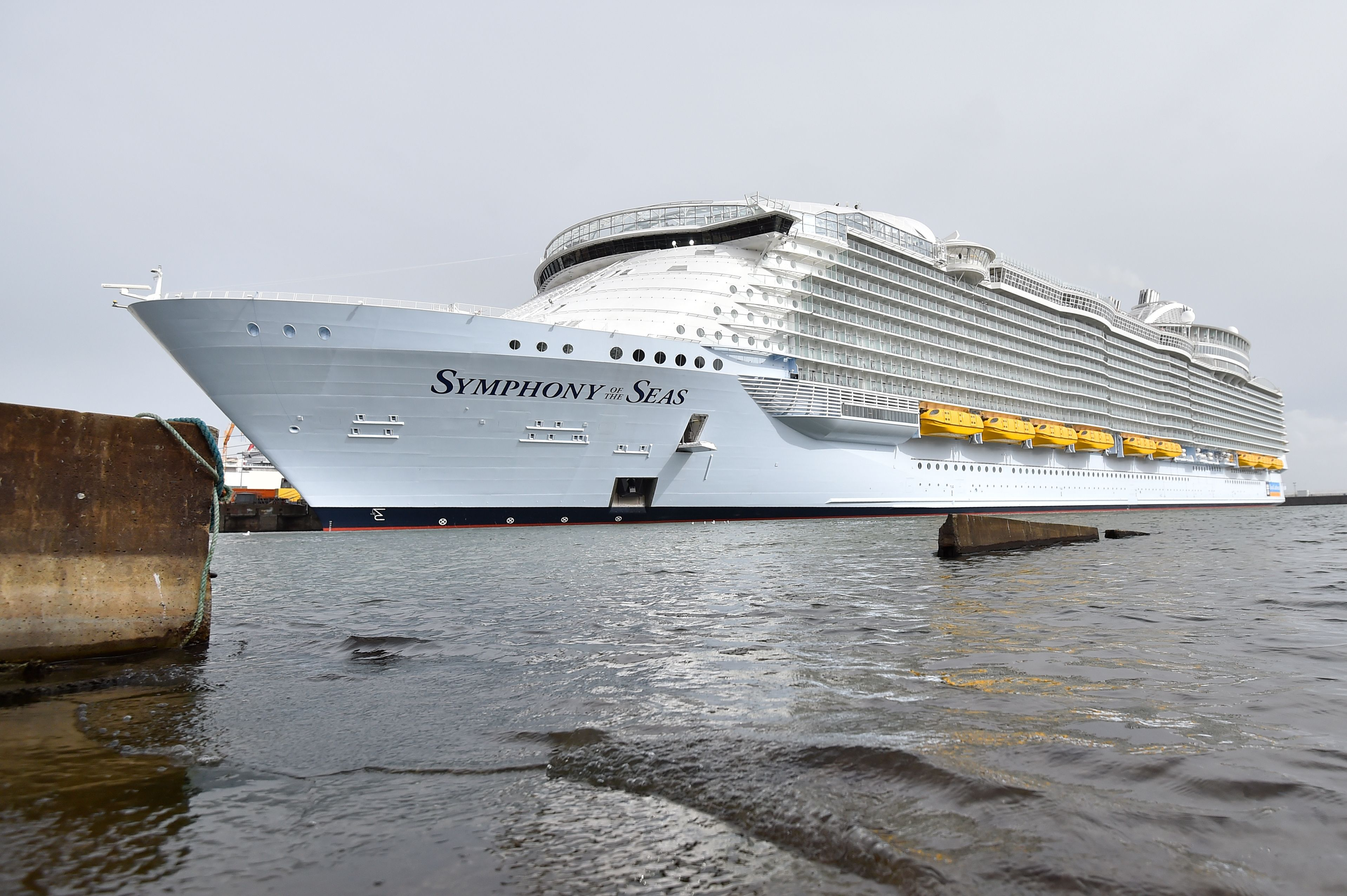 Massive 'Symphony of the Seas' is now world's largest cruise ship ...