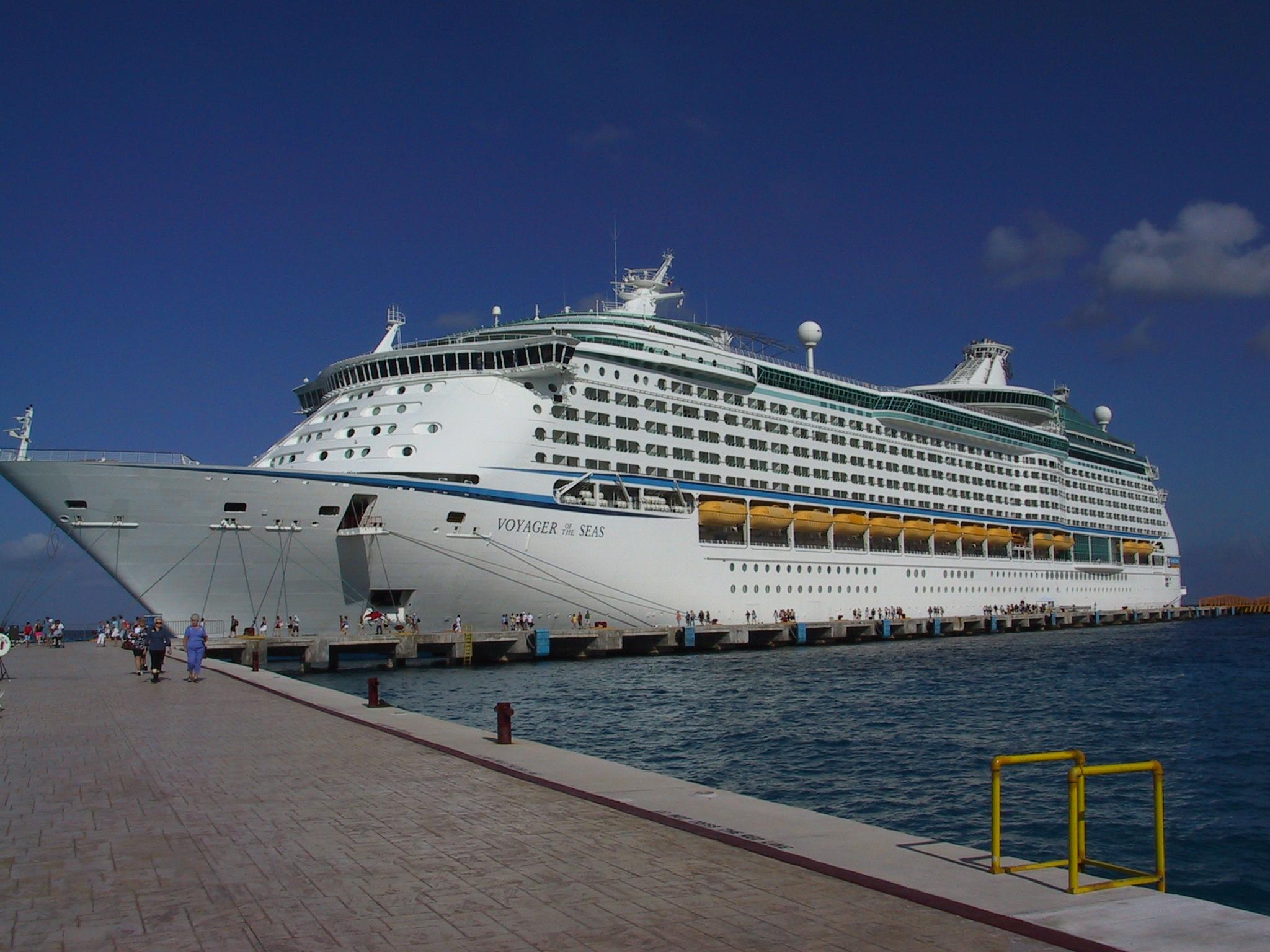 Jason Ellis | Cruise Photos