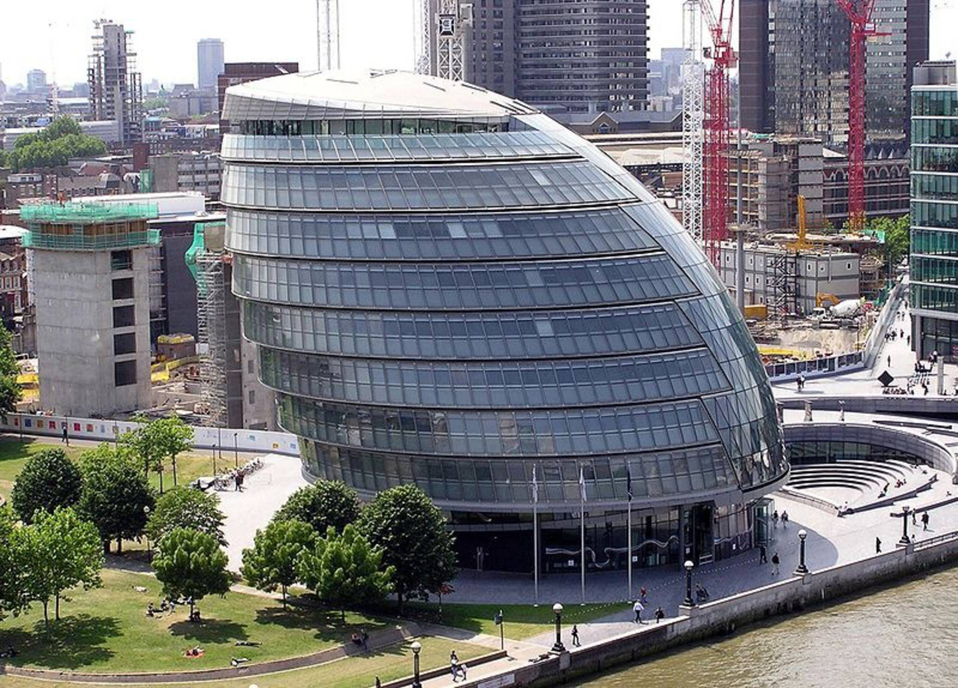 Some Of The World's Most Unusual Curvy Buildings - Home Reviews
