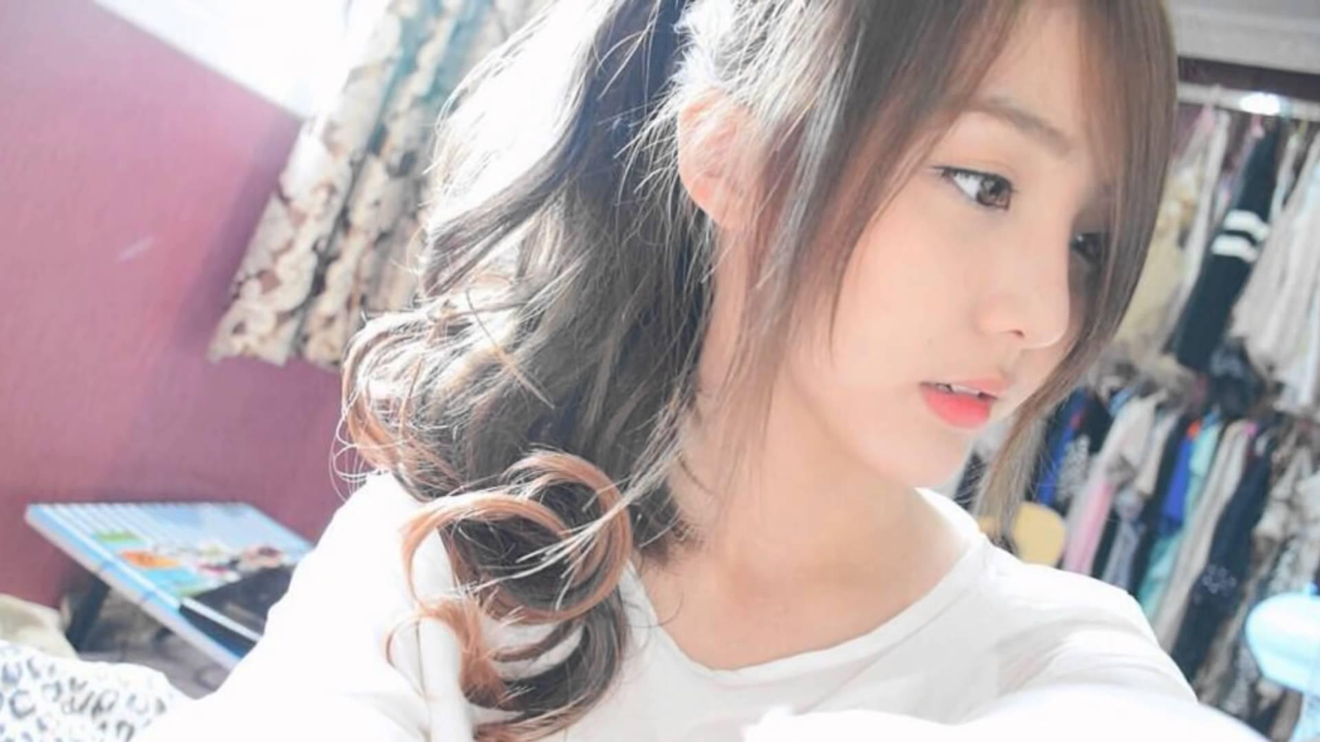 Thailand cute girl 2016 lovely voice! - YouTube