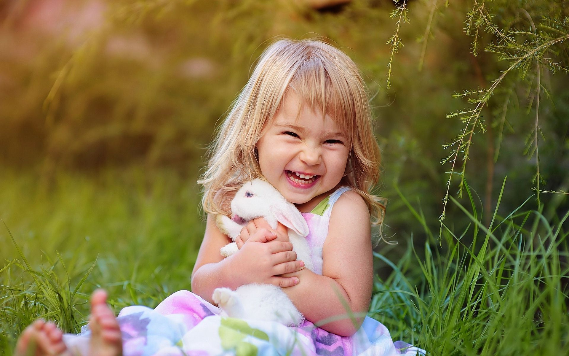 Cute Smiling Child Girl With Rabbit Wallpaper,Images,Pictures,Photos ...