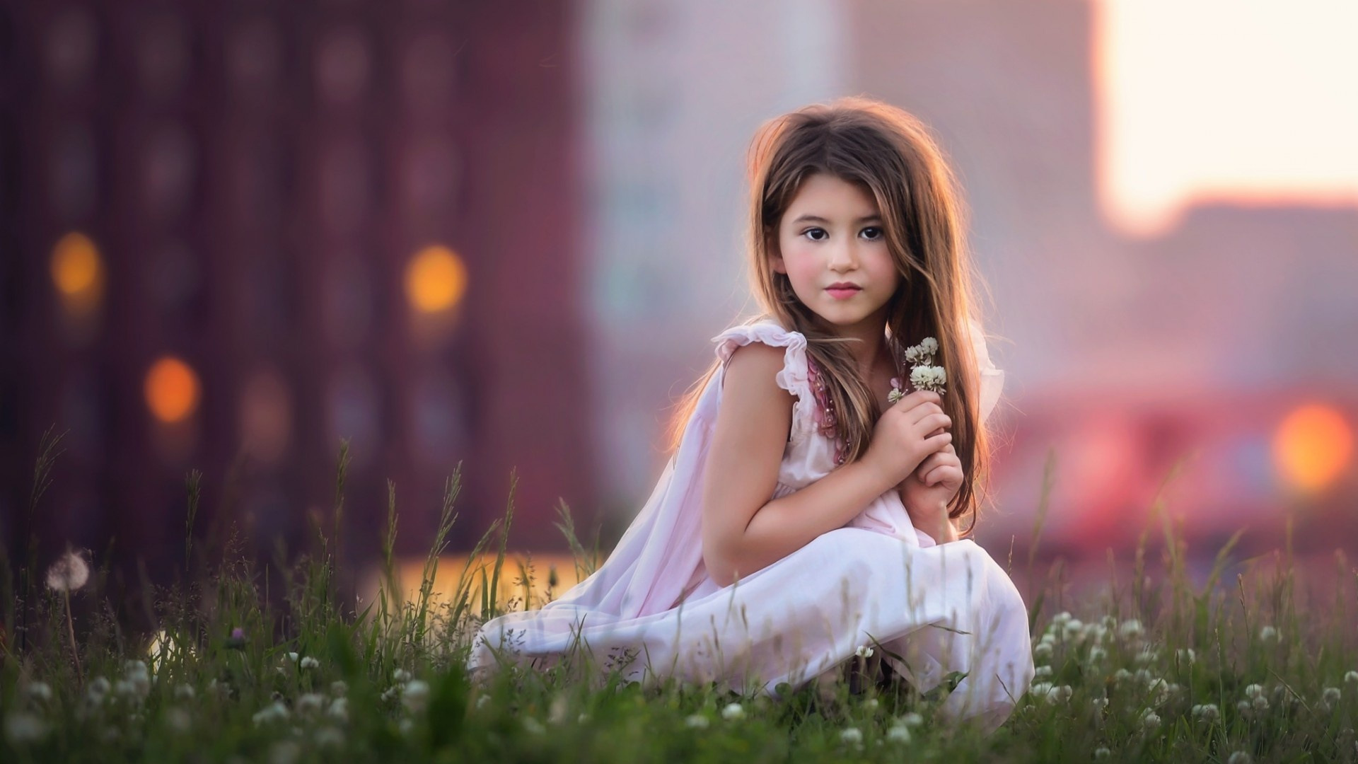 free photo: cute little girl - pose, stare, young - non-commercial
