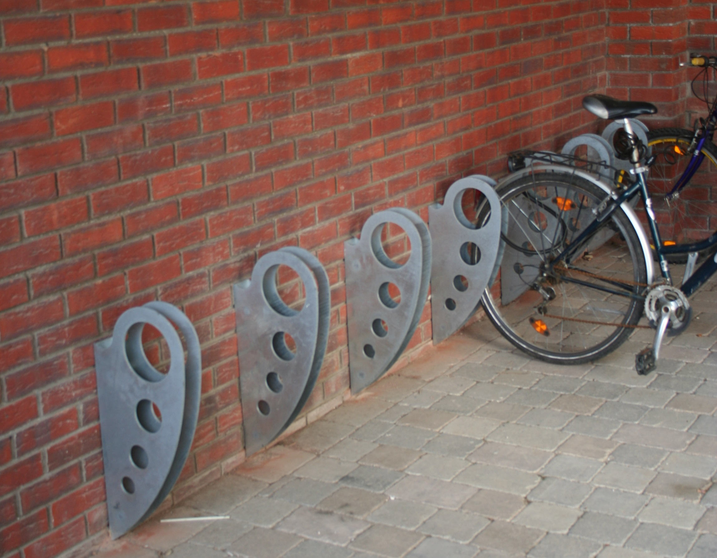 Ona Cycle Stand - Street Furniture Suppliers & Metal Casting - Castit