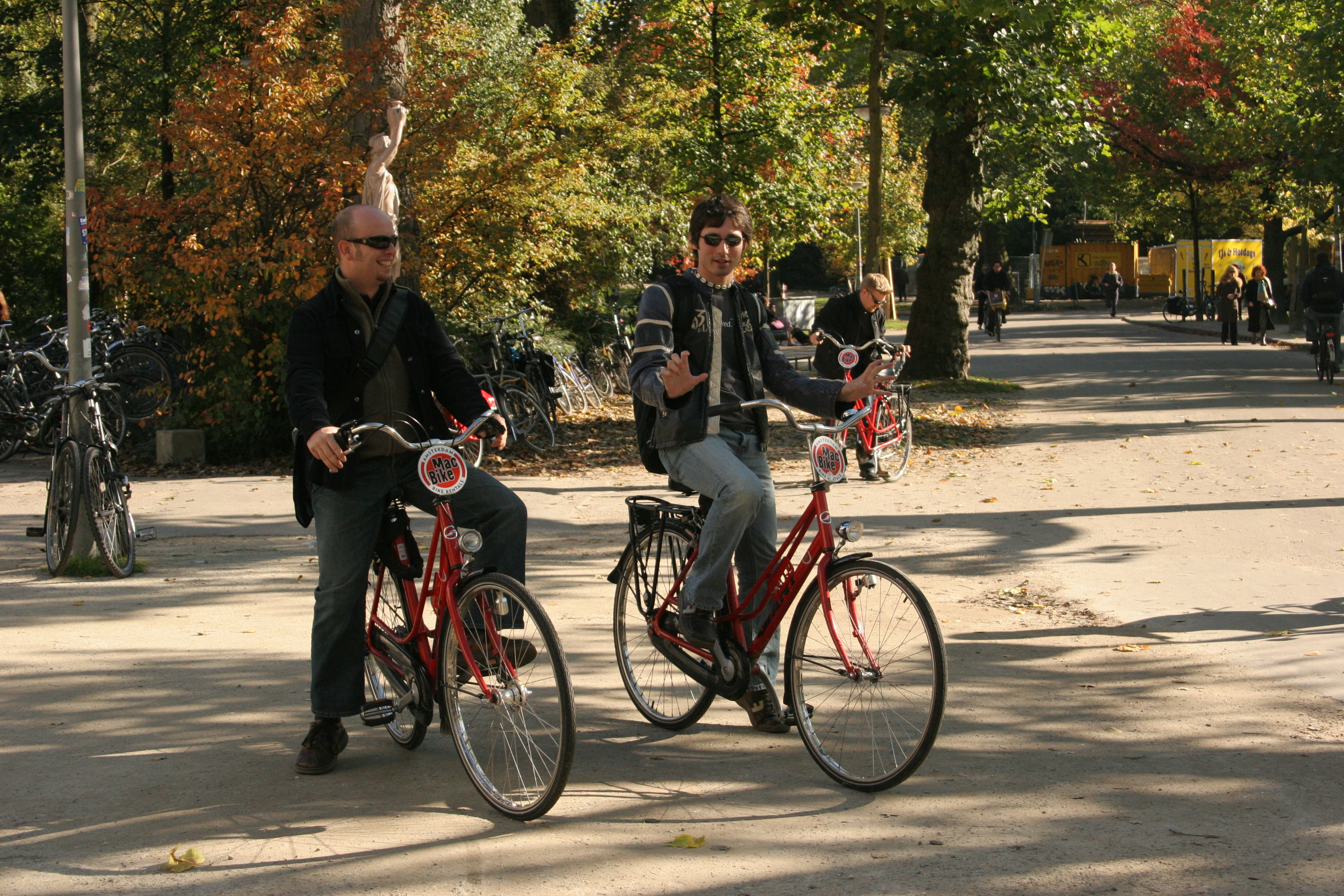 Cycling and Hanging out in AMS 17Oct05 - 4, 20d, Ams, Amsterdam, Bike, HQ Photo