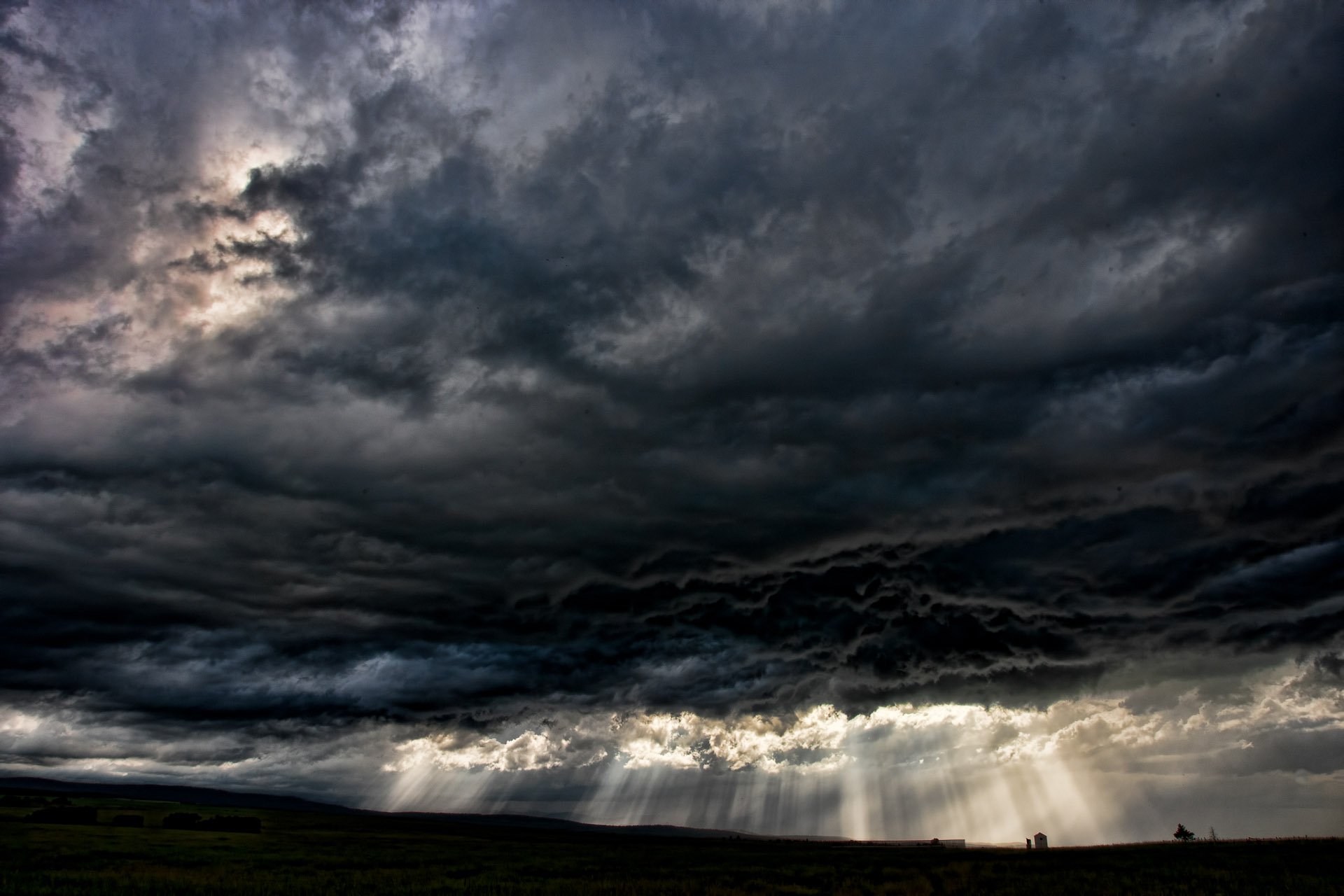 Prairie Storm: Dark Clouds, Heavy Rain and a Lightning Strike ...