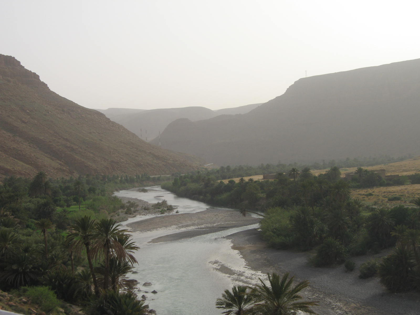 2ème jour : de Midelt à Er-Rachidia - c'est le souk ici ....
