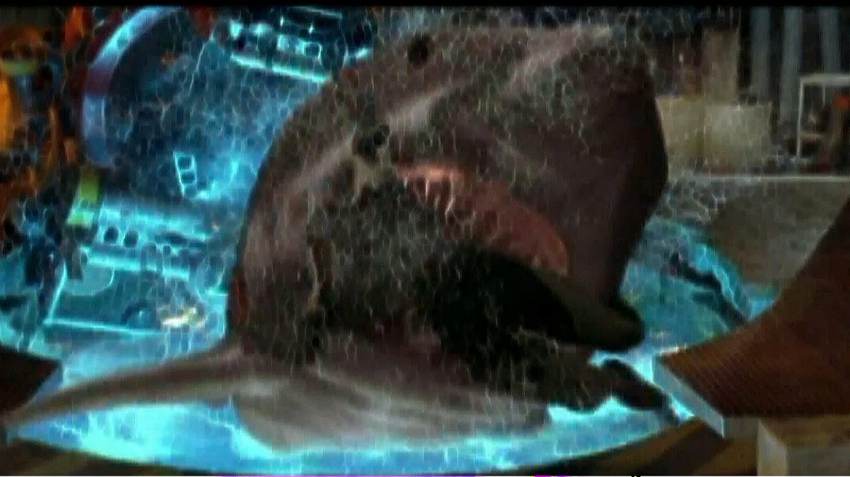 Deep Blue Sea Shark Attack Scene FISH FOOD - YouTube