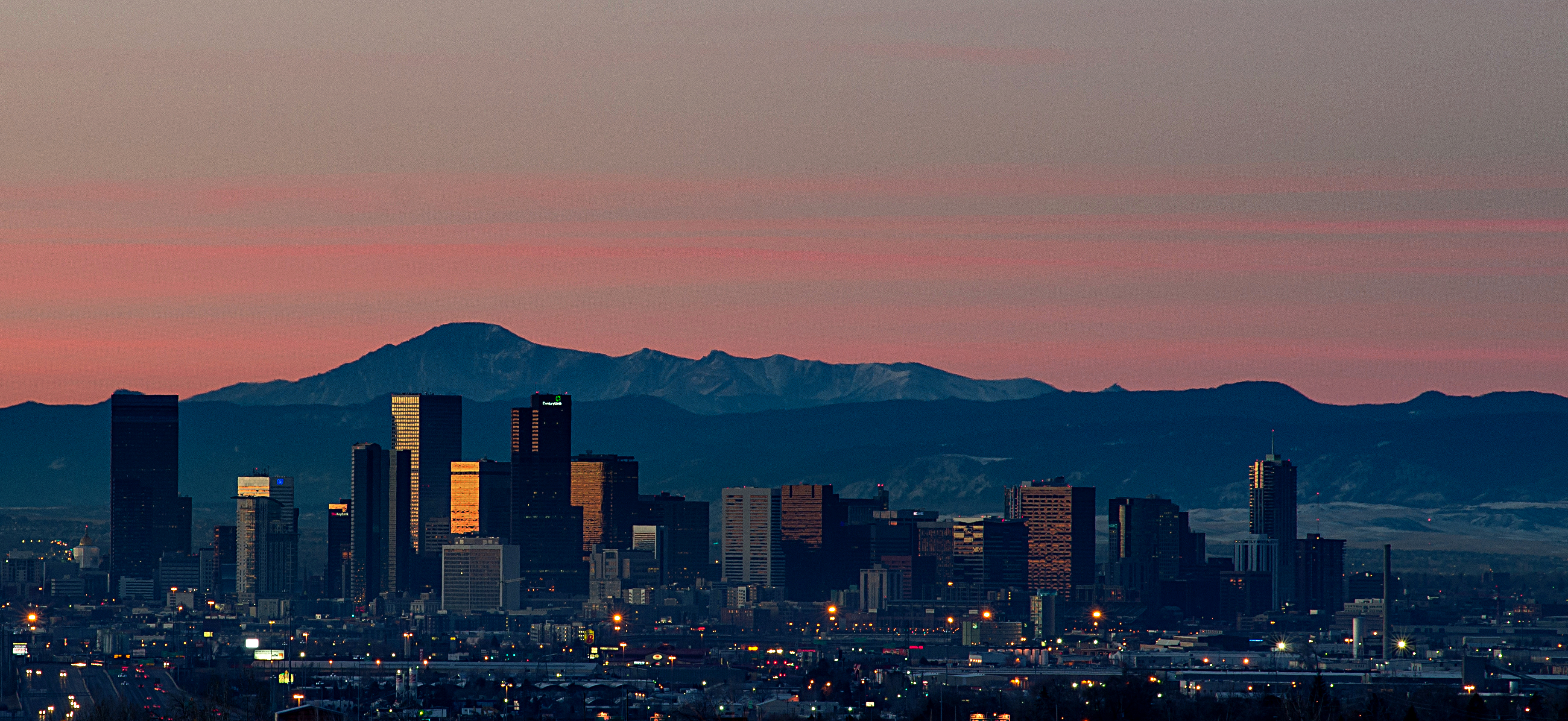 File:Sunrise Over Denver Skyline.jpg - Wikimedia Commons