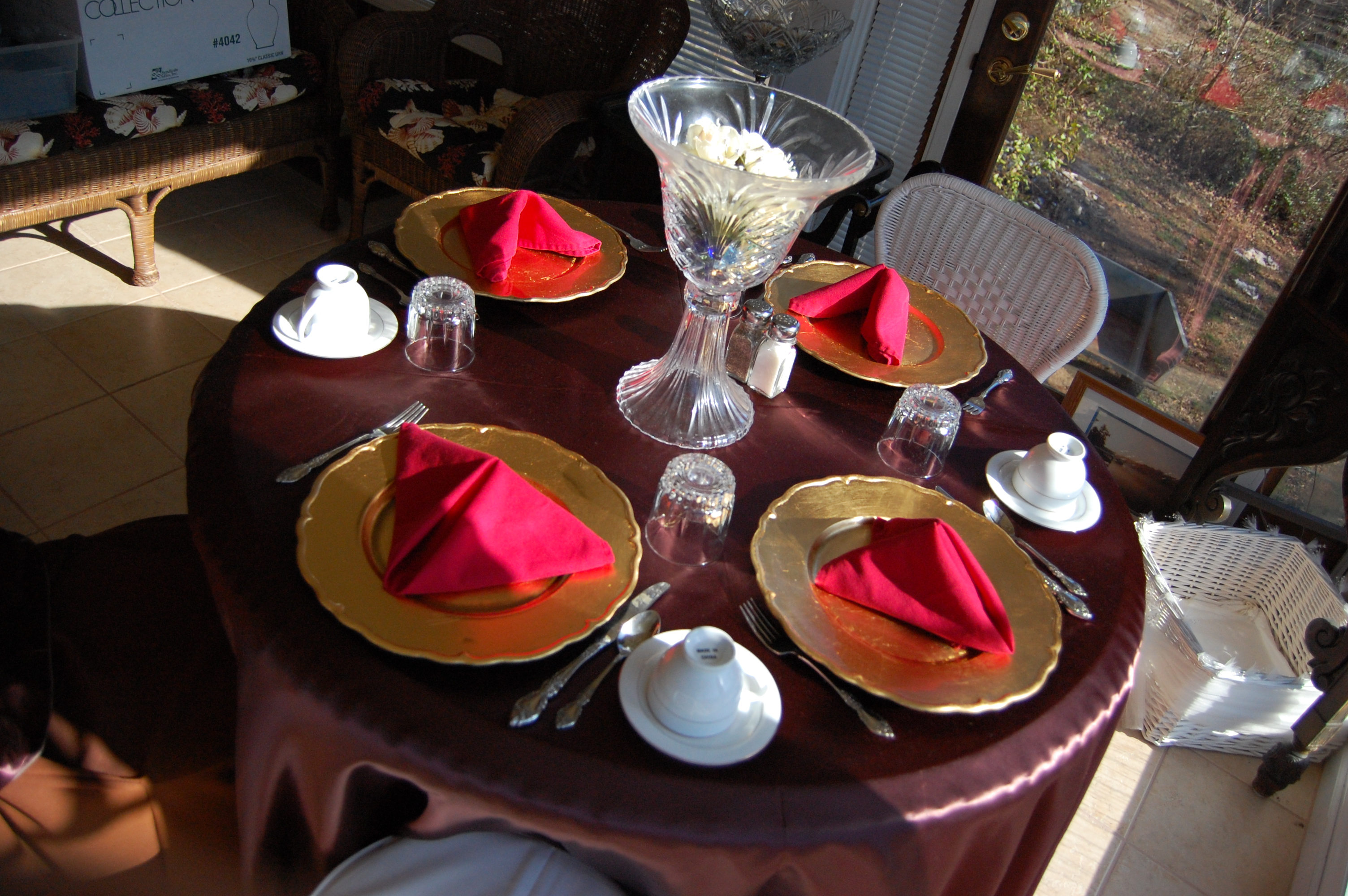 Dining table, Chairs, Dining, Dishes, Festive, HQ Photo