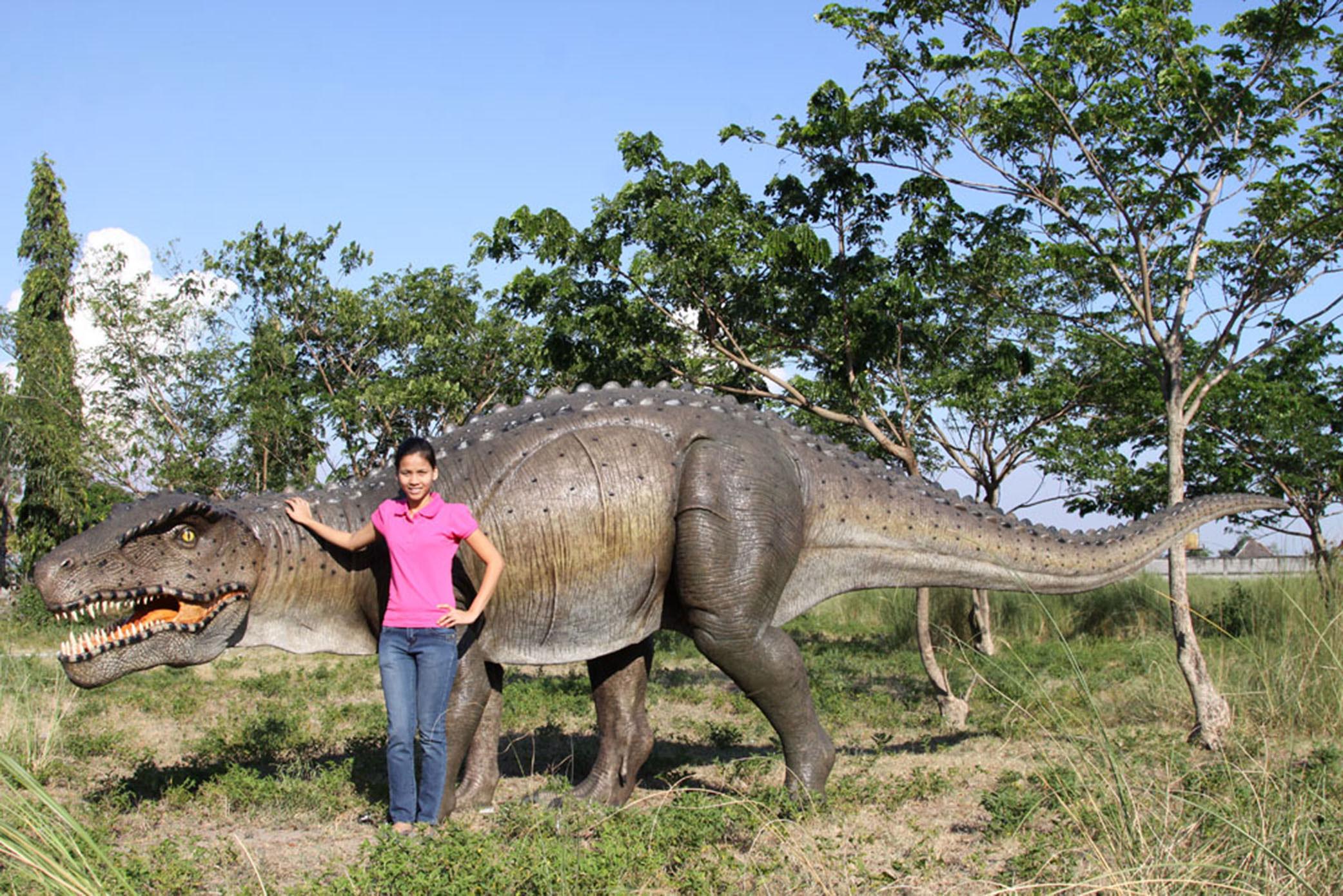 Postosuchus Dinosaur Statue