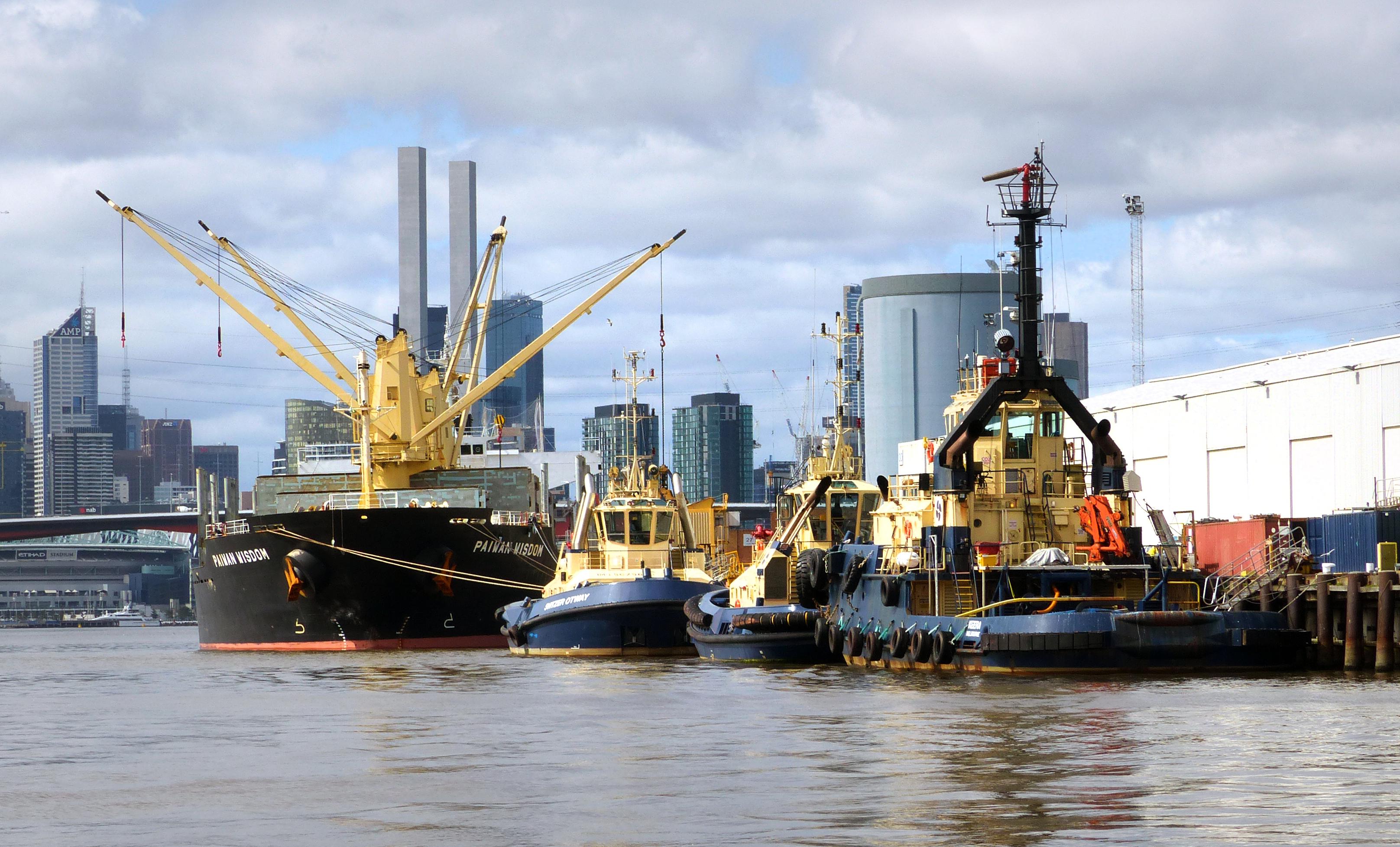 Dockside. port of melbourne. photo