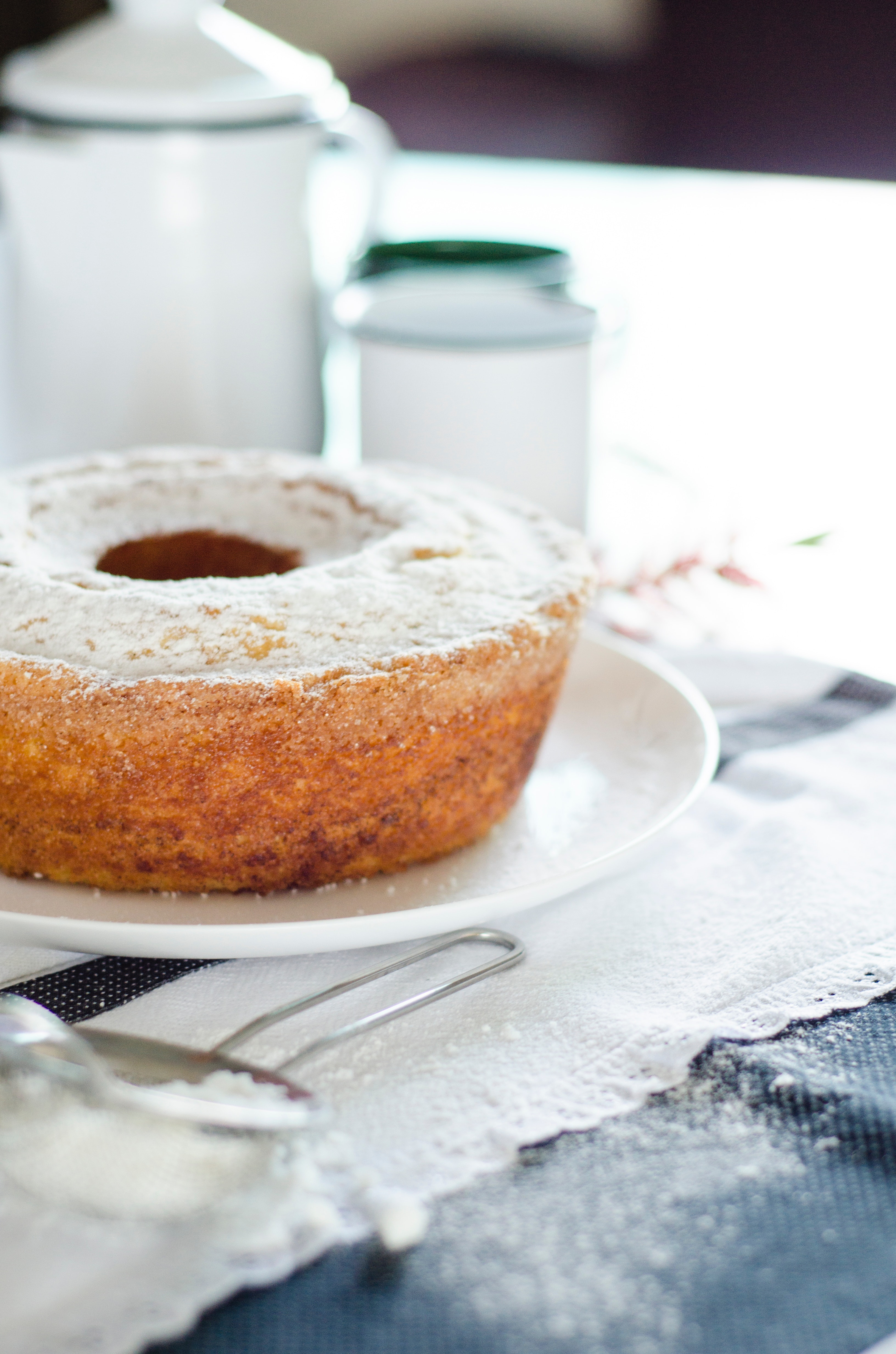 Donut on White Ceramic Plate, Bakery, Bread, Breakfast, Cake, HQ Photo