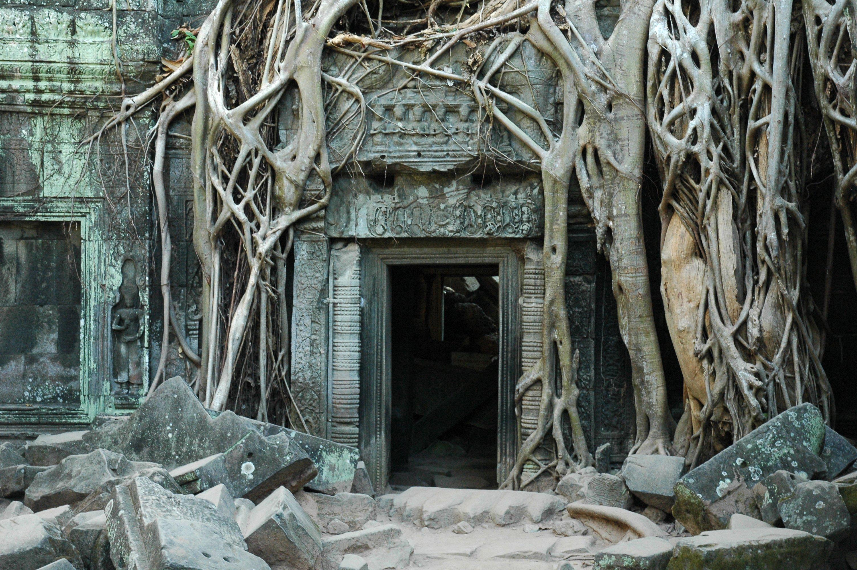 File:Doorway Empty.JPG - Wikimedia Commons