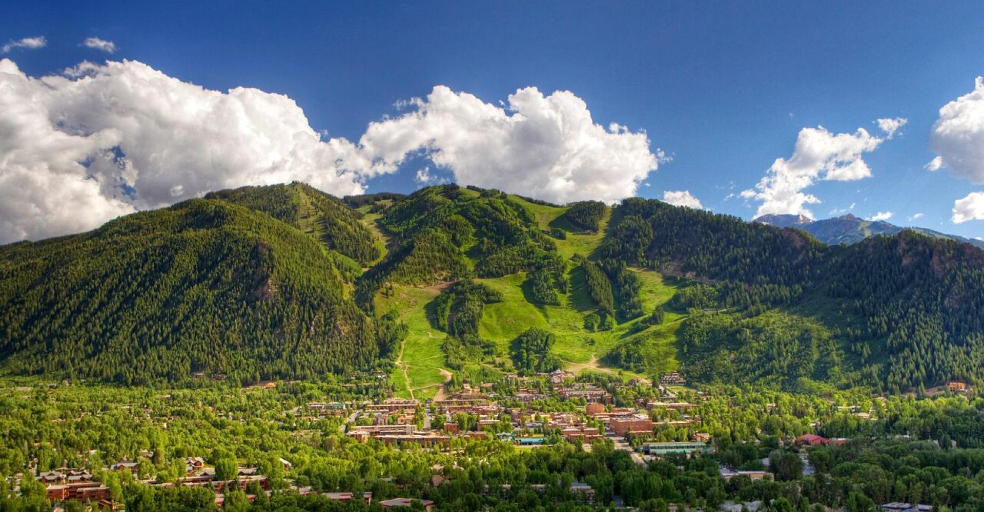 Summer Showdown: Beach Vs. Mountains Getaway | Aspen CO Chamber