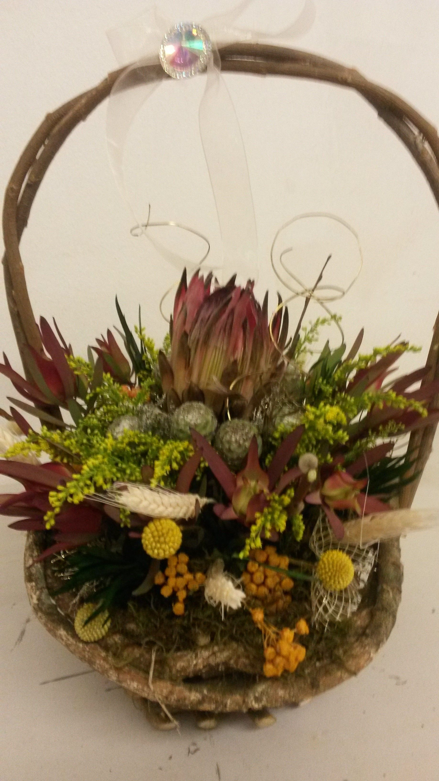 protea dry flower arrangement | Flowers | Pinterest | Dried flower ...