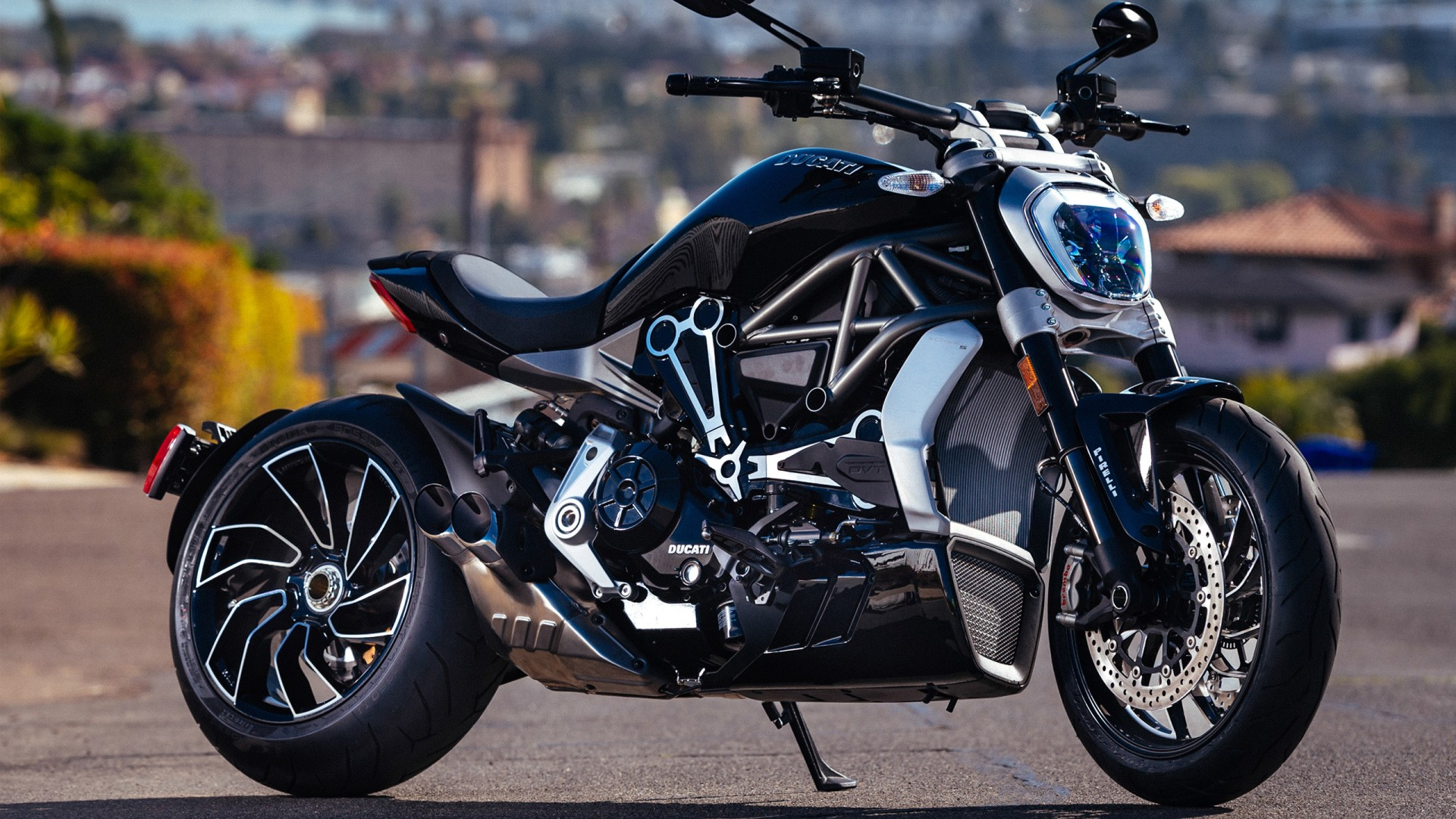 Ducati Diavel 2017 Bike 4K Wallpaper | WallpapersByte