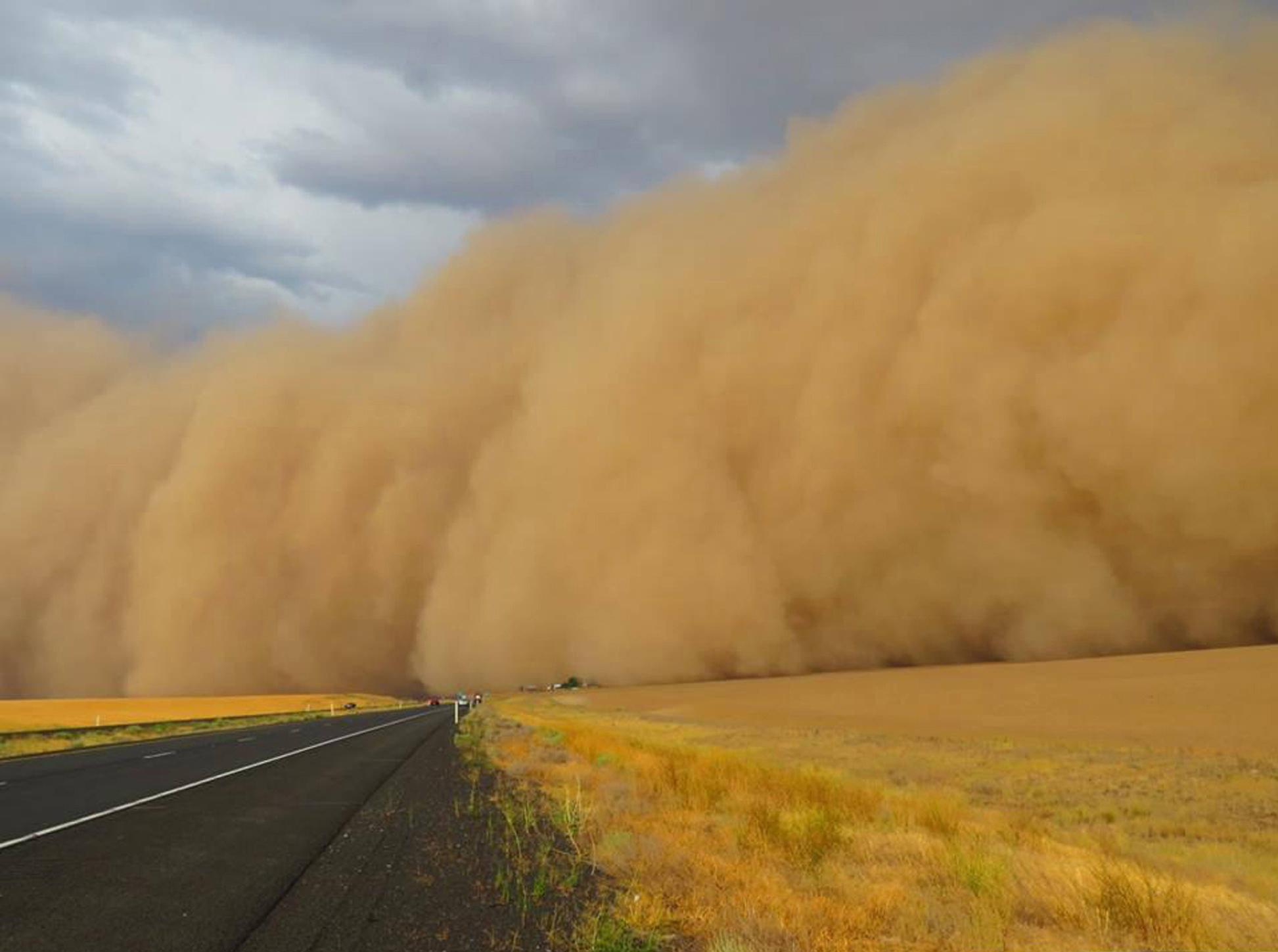 Photo: Reader photo: Tsunami of dust near Ritzville | The Spokesman ...