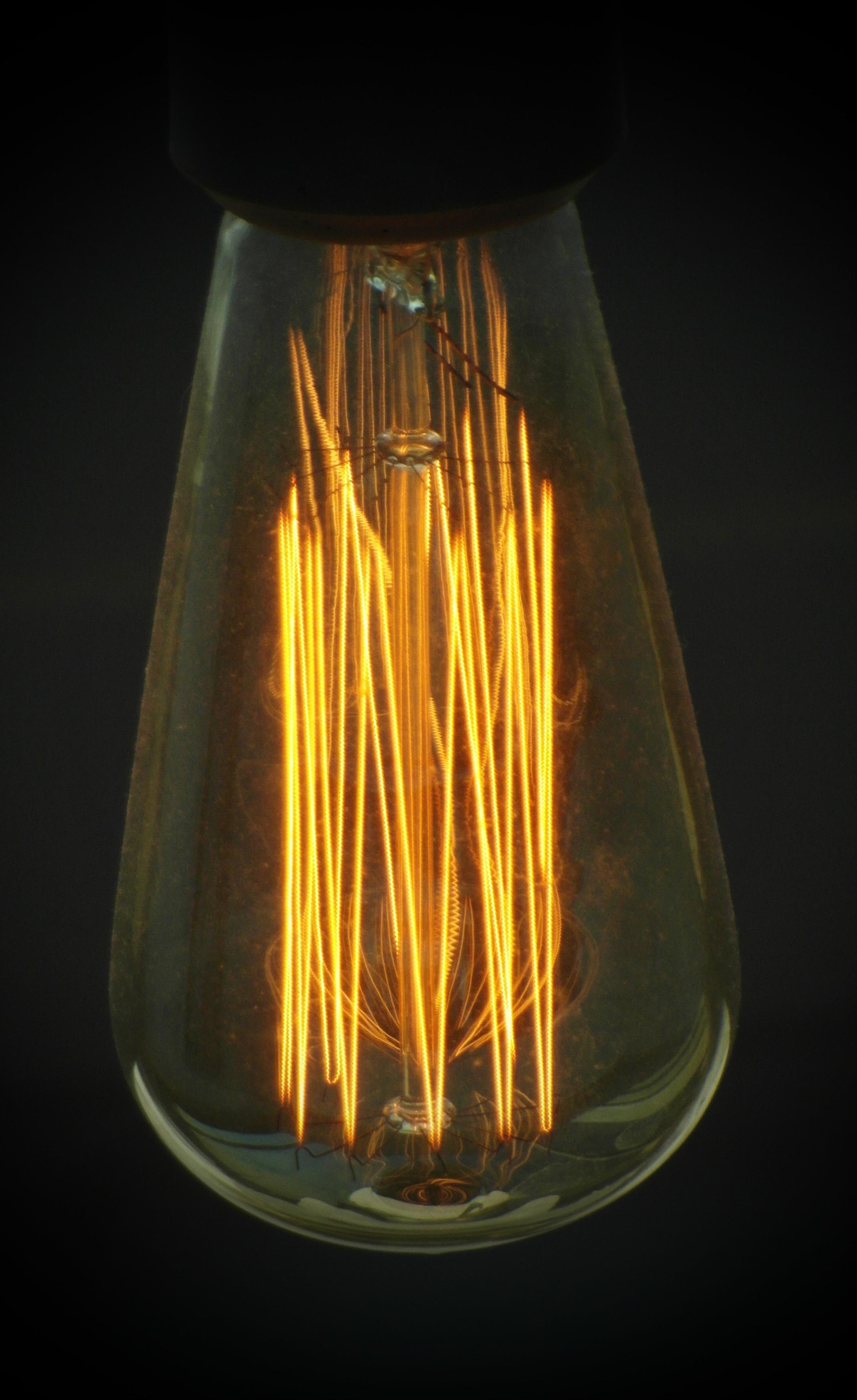 Edison light bulb photo