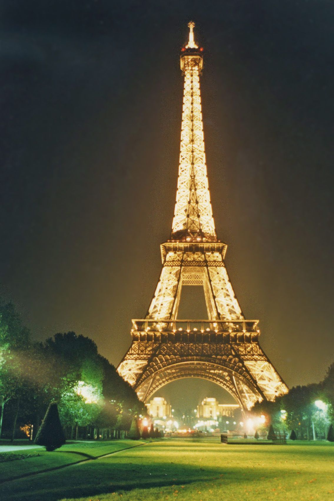 Eiffel Tower, 4K Ultra HD Wallpapers For Free – Wallpapers and ...