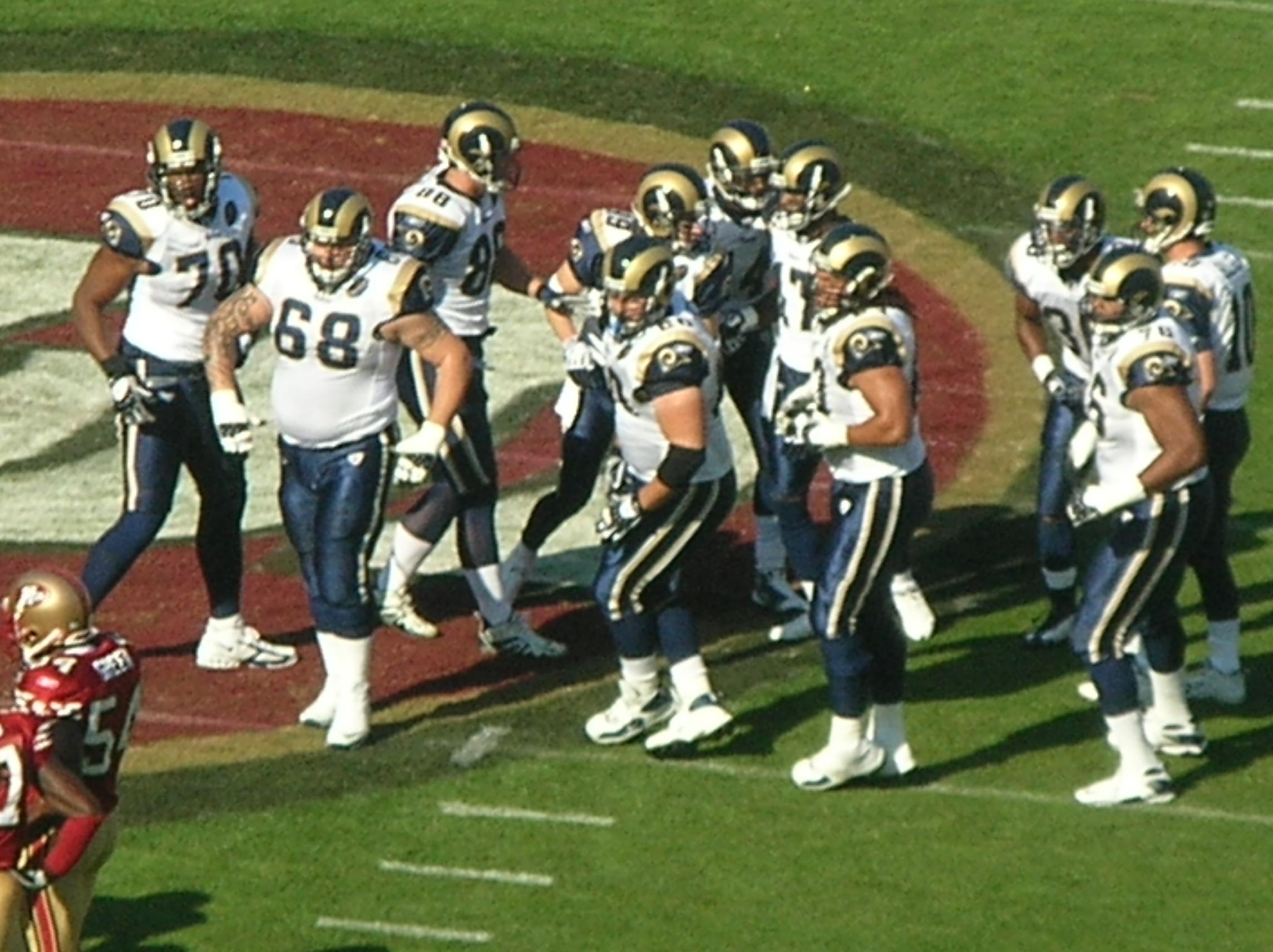 File:Rams break huddle at St. Louis at SF 11-16-08.JPG - Wikimedia ...