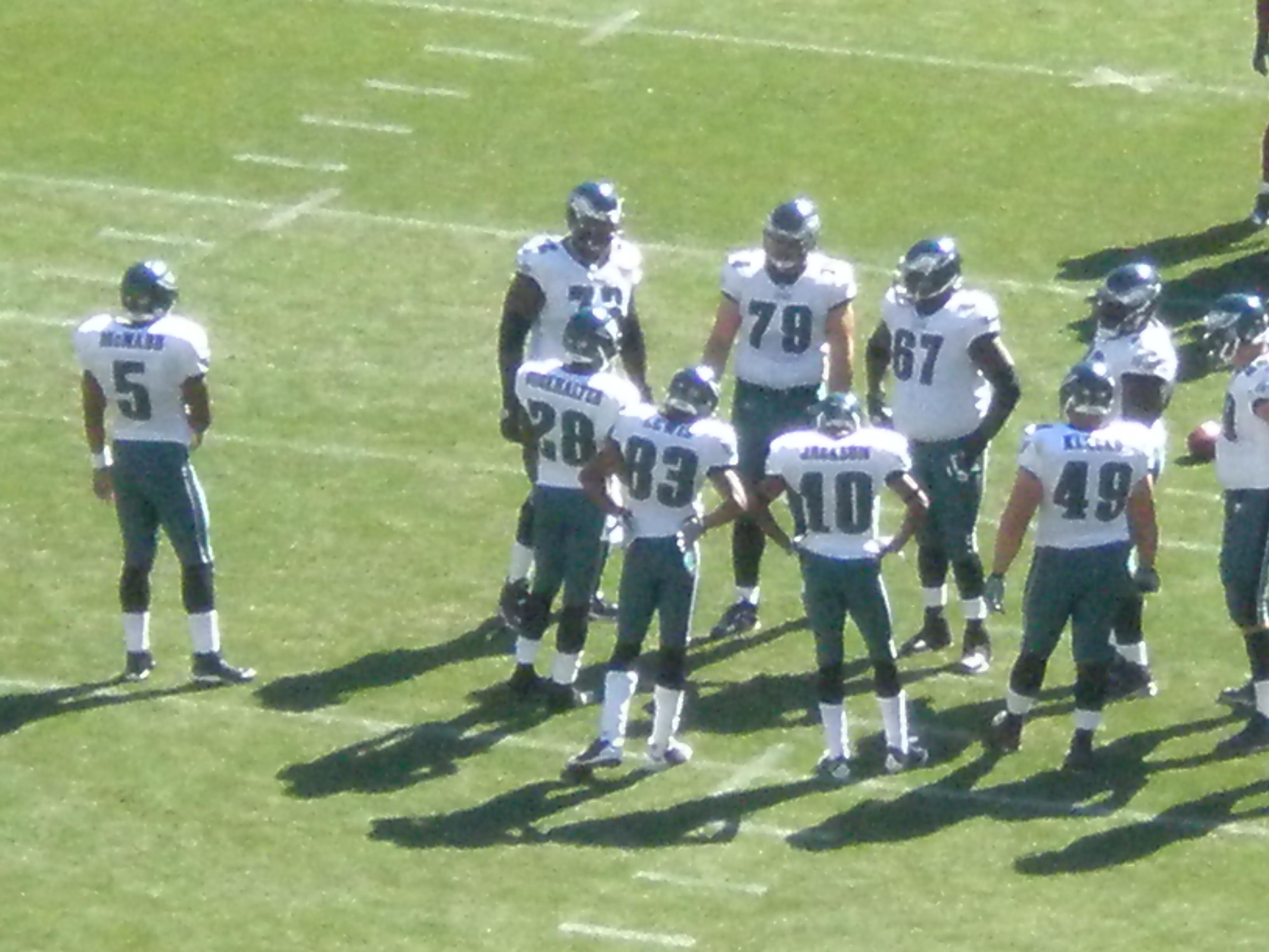 File:Eagles in huddle at Philadelphia at SF 10-12-08 3.JPG ...