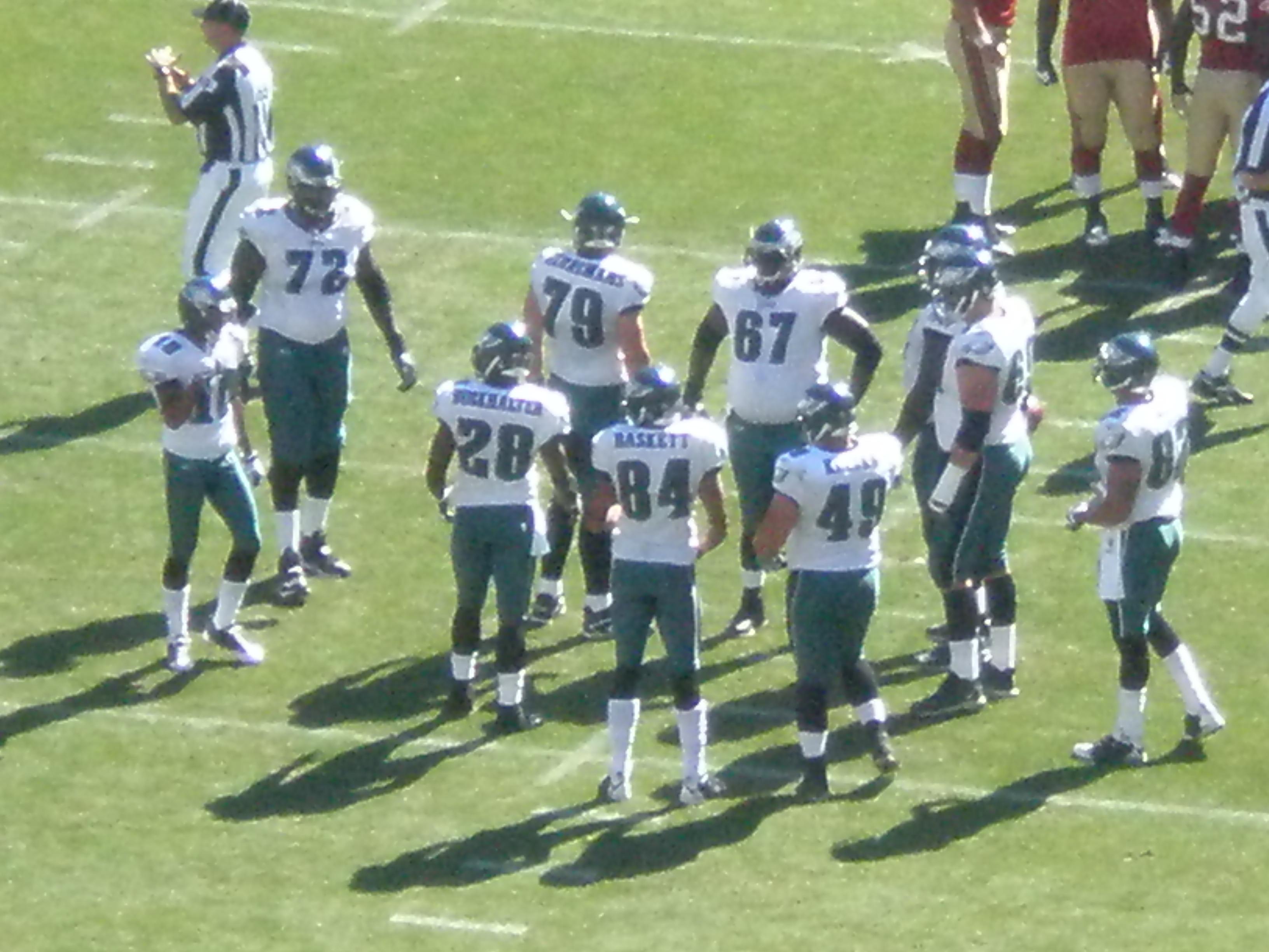 File:Eagles in huddle at Philadelphia at SF 10-12-08 2.JPG ...